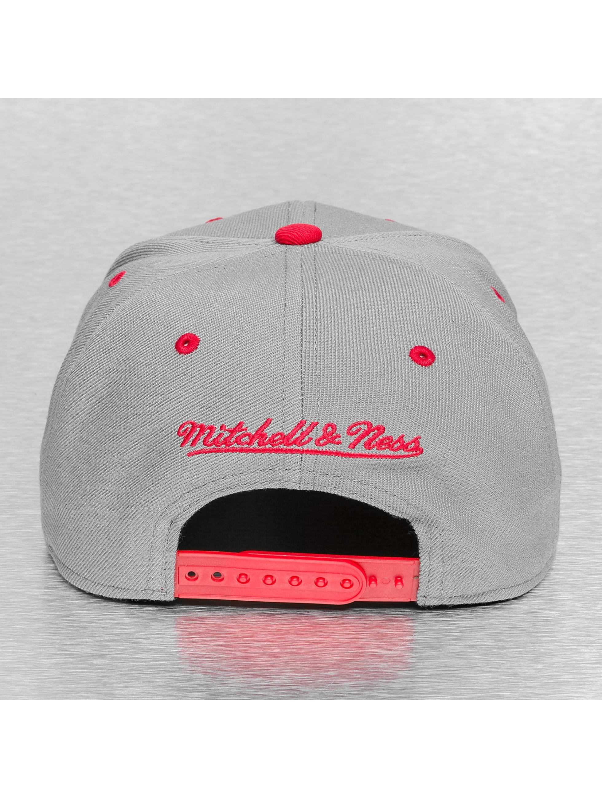 Mitchell & Ness Кепка с застёжкой Chicago Bulls серый