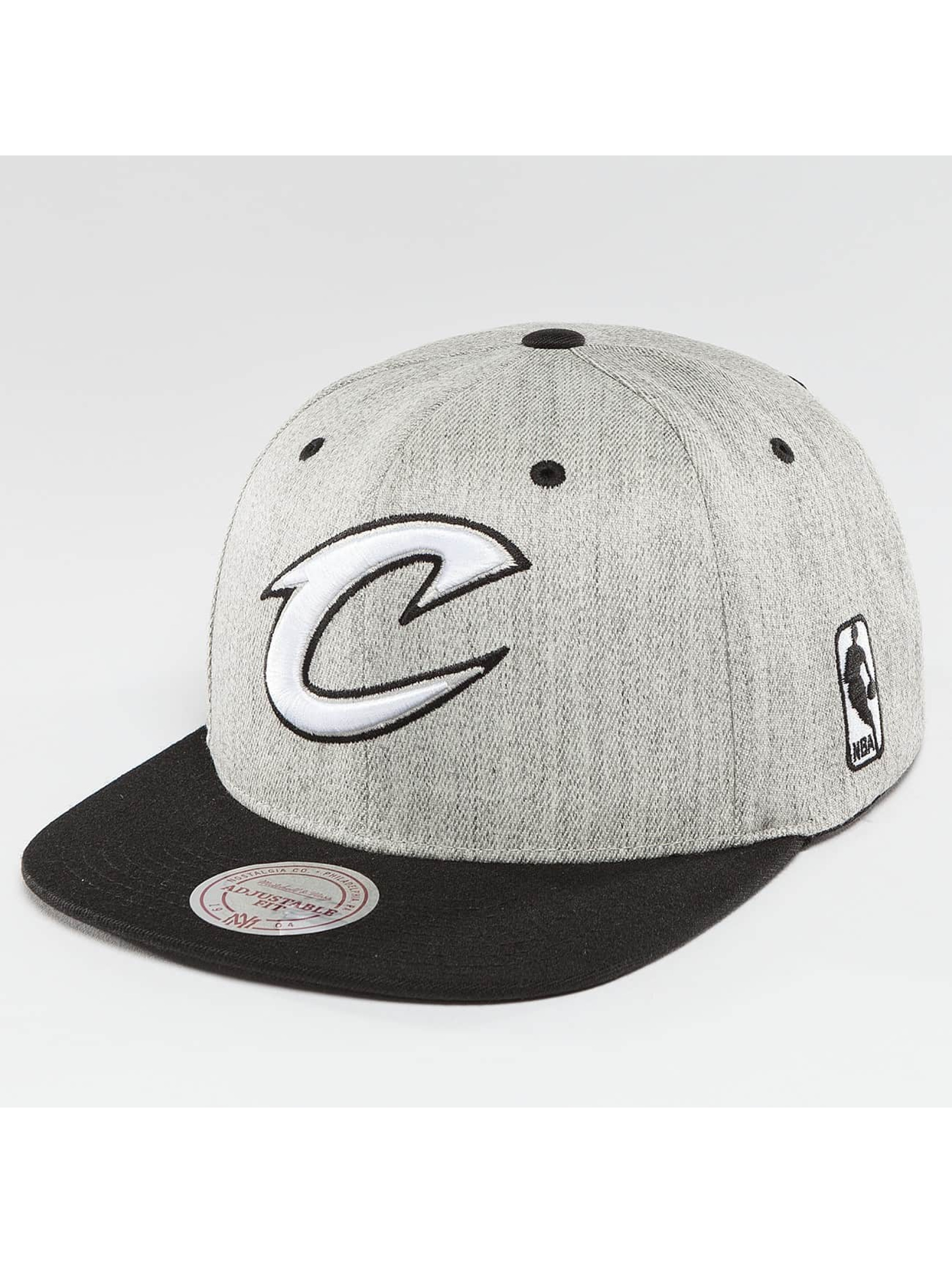 Mitchell & Ness Casquette Snapback & Strapback NBA 3-Tone Logo Cleveland Cavaliers gris