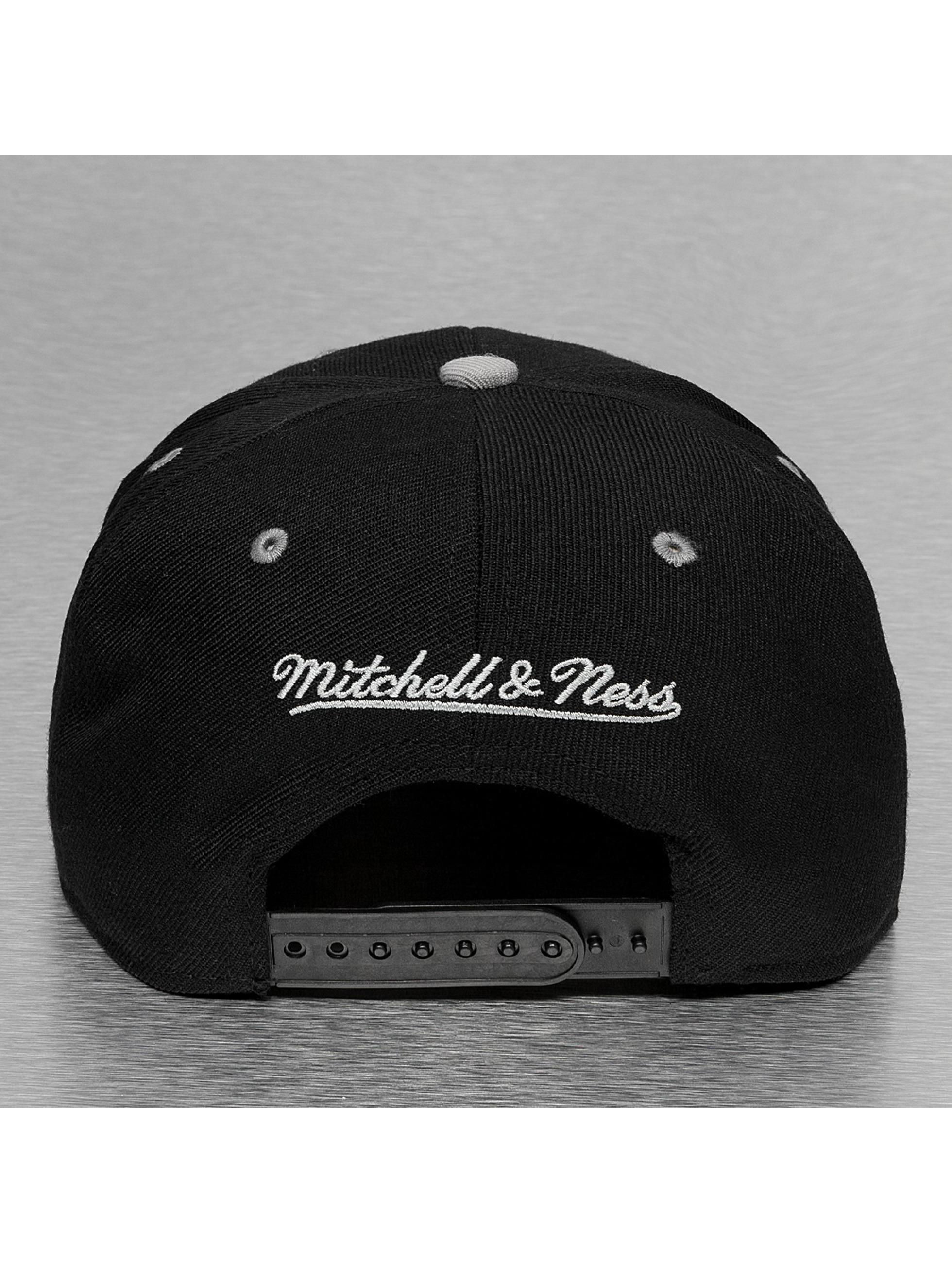 Mitchell & Ness Casquette Snapback & Strapback Team Arch 2 Tone Chicago Bulls noir