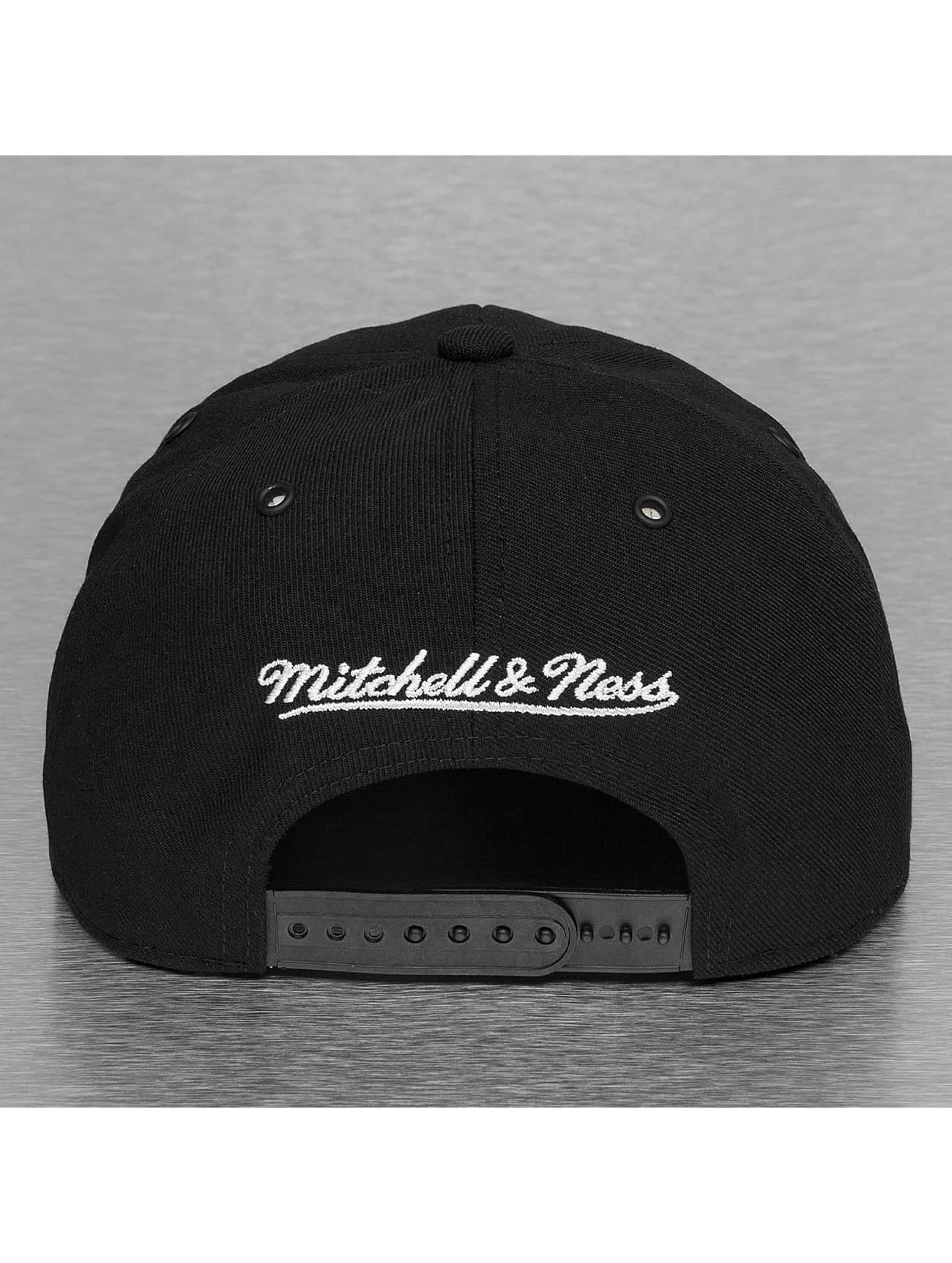 Mitchell & Ness Snapback Black and White Arch Chicago Bulls èierna