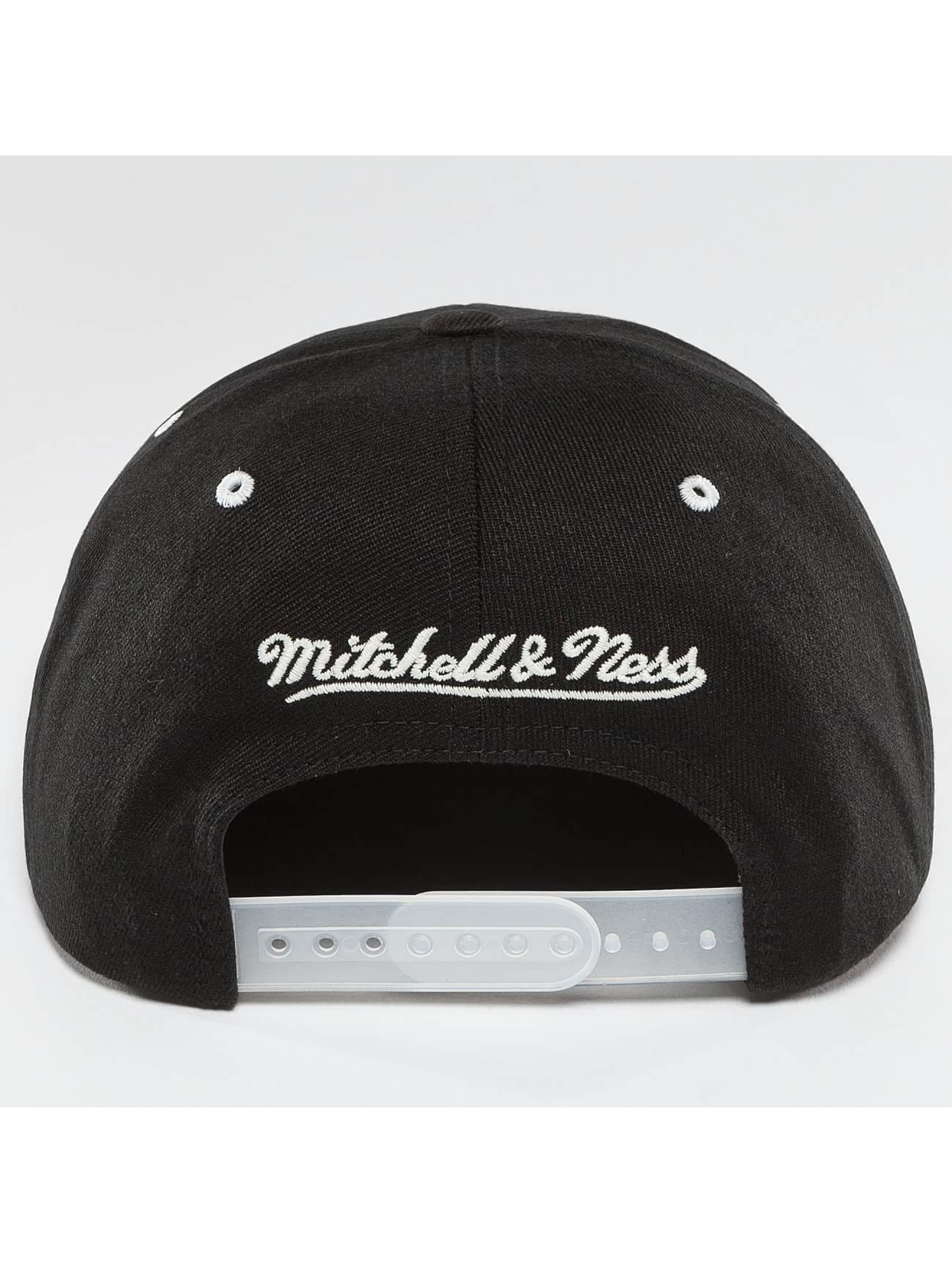 Mitchell & Ness Snapback Cap NBA 2-Tone Logo Chicago Bulls black
