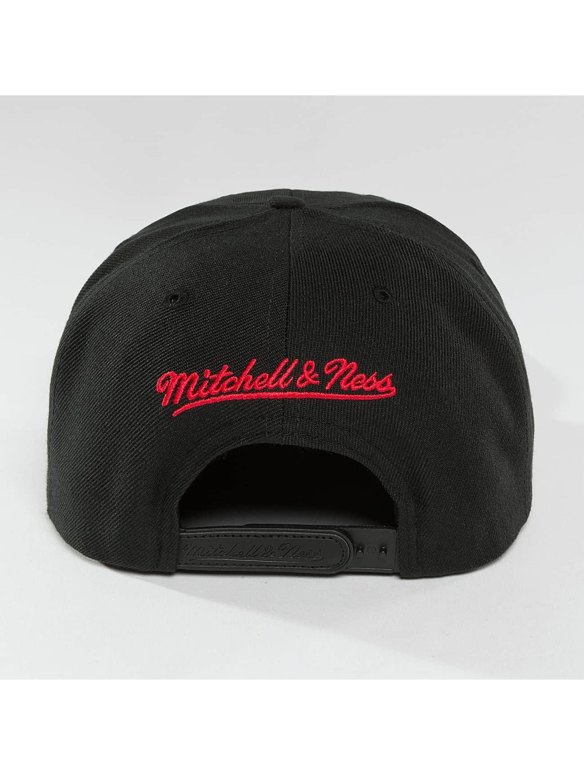 Mitchell & Ness Snapback Cap Red Pop Interlocked black