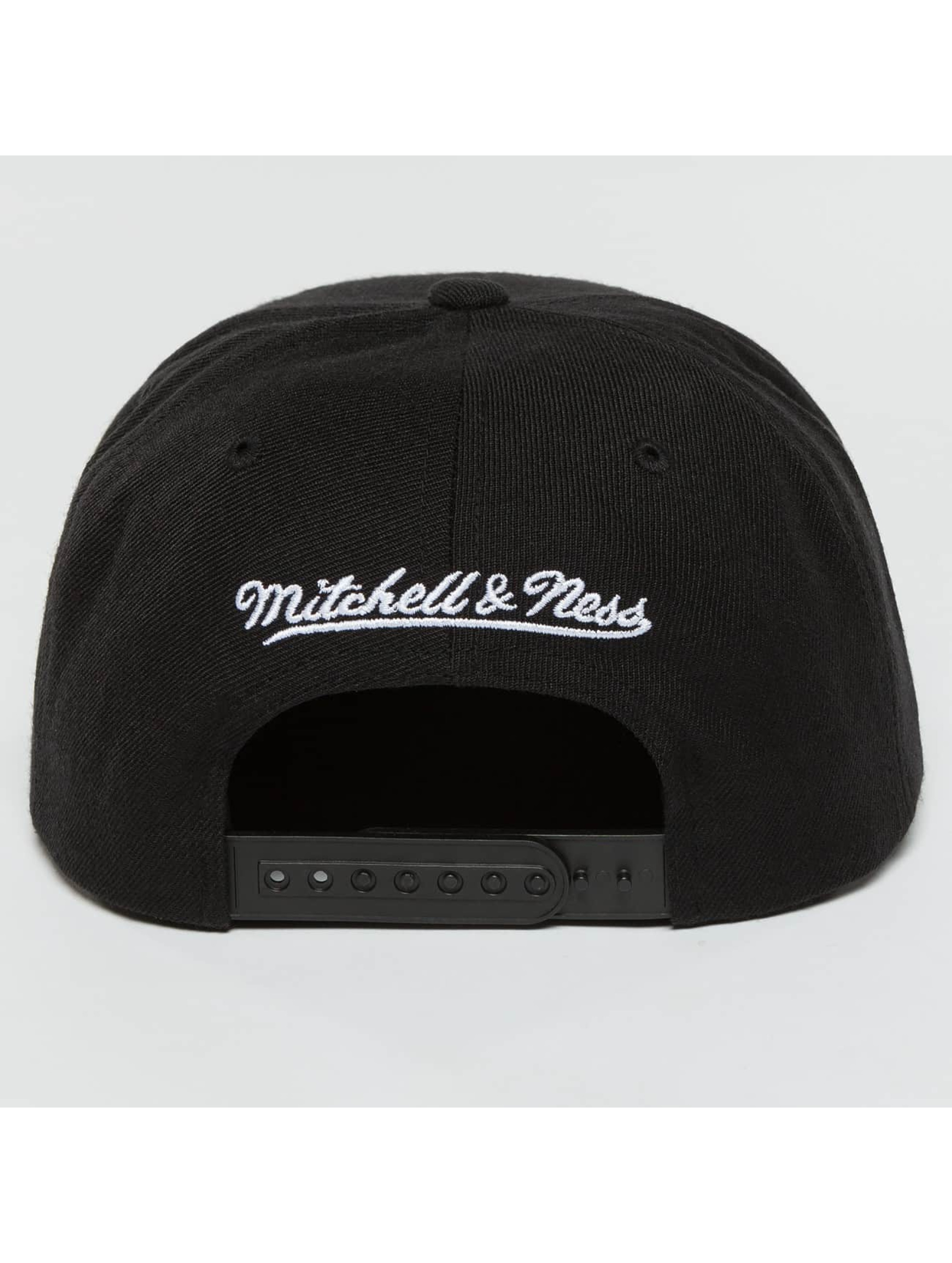 Mitchell & Ness Snapback Cap Full Dollar Chicago Bulls black
