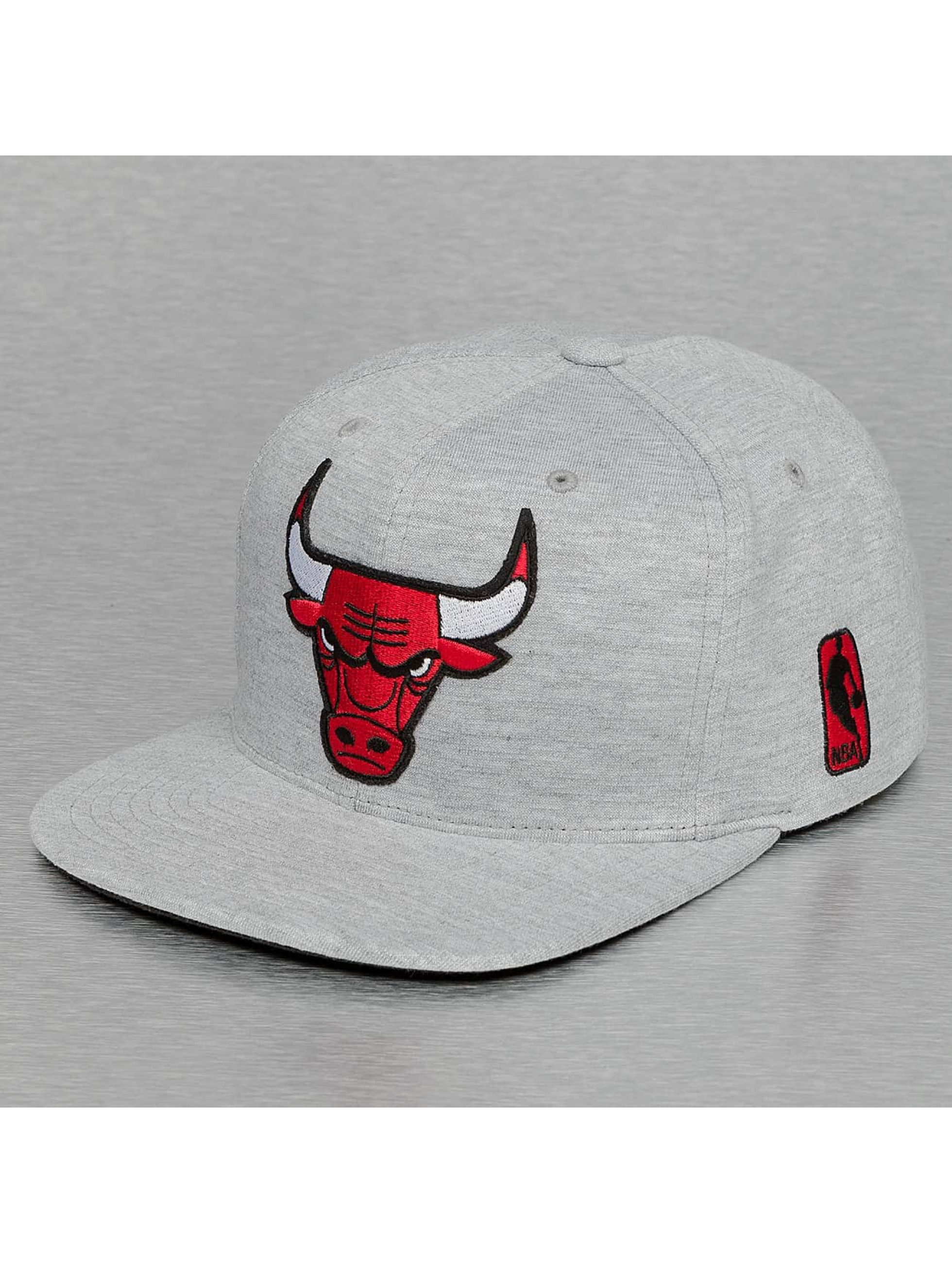 Mitchell & Ness Snapback Cap Sweat Chicago Bulls grey