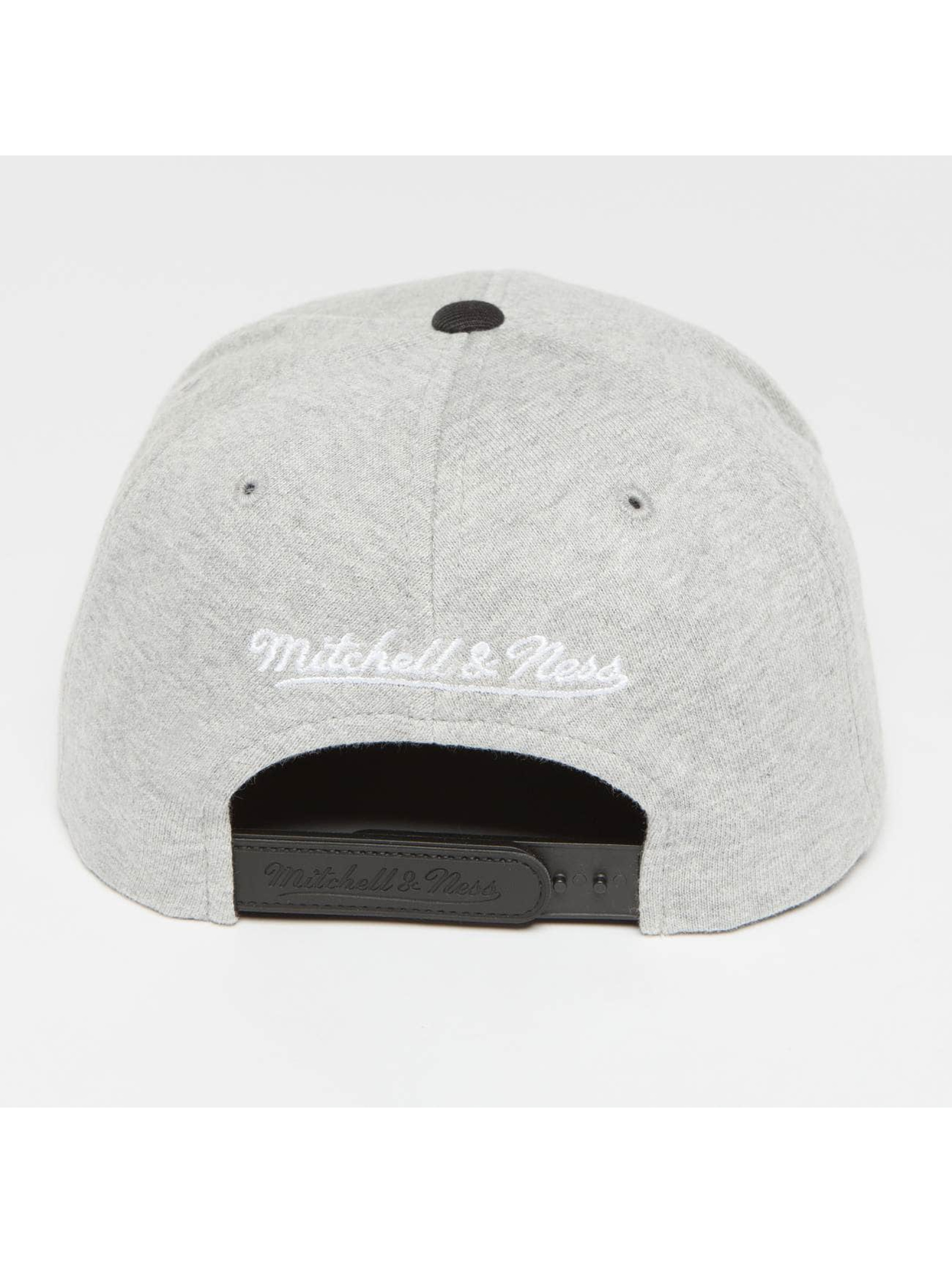 Mitchell & Ness Snapback Cap The 3-Tone grey