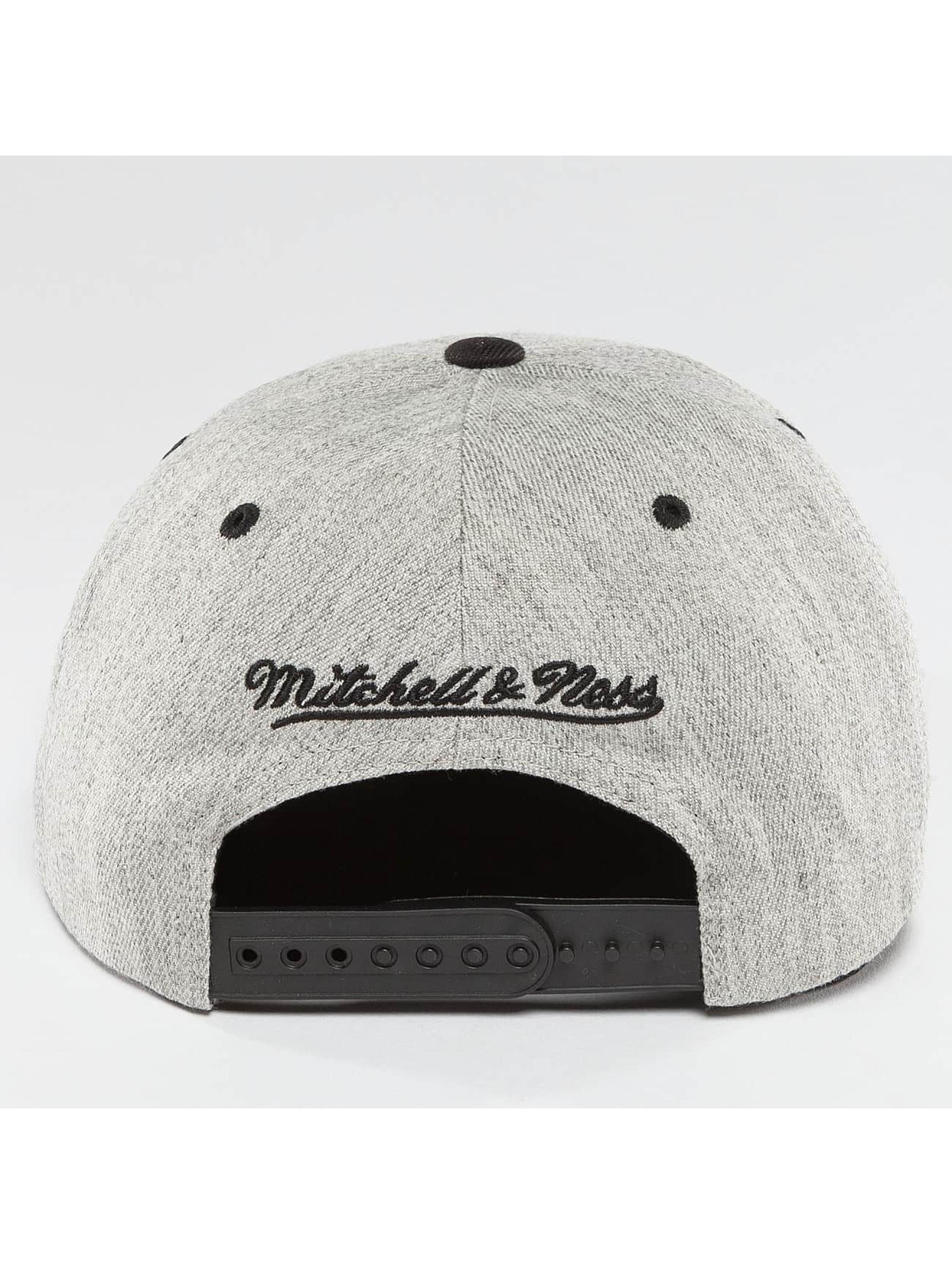 Mitchell & Ness Snapback Cap NBA 3-Tone Logo Chicago Bulls grigio