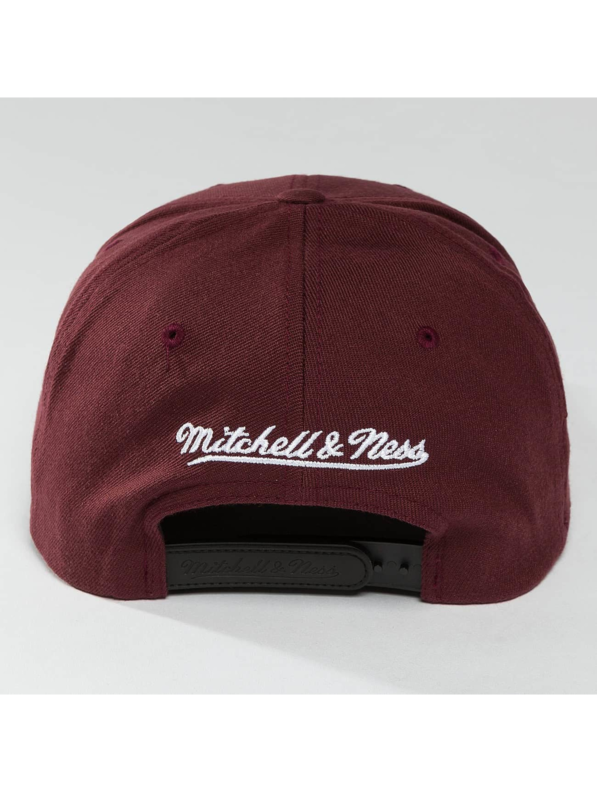 Mitchell & Ness snapback cap 110 The Camo & Suede rood