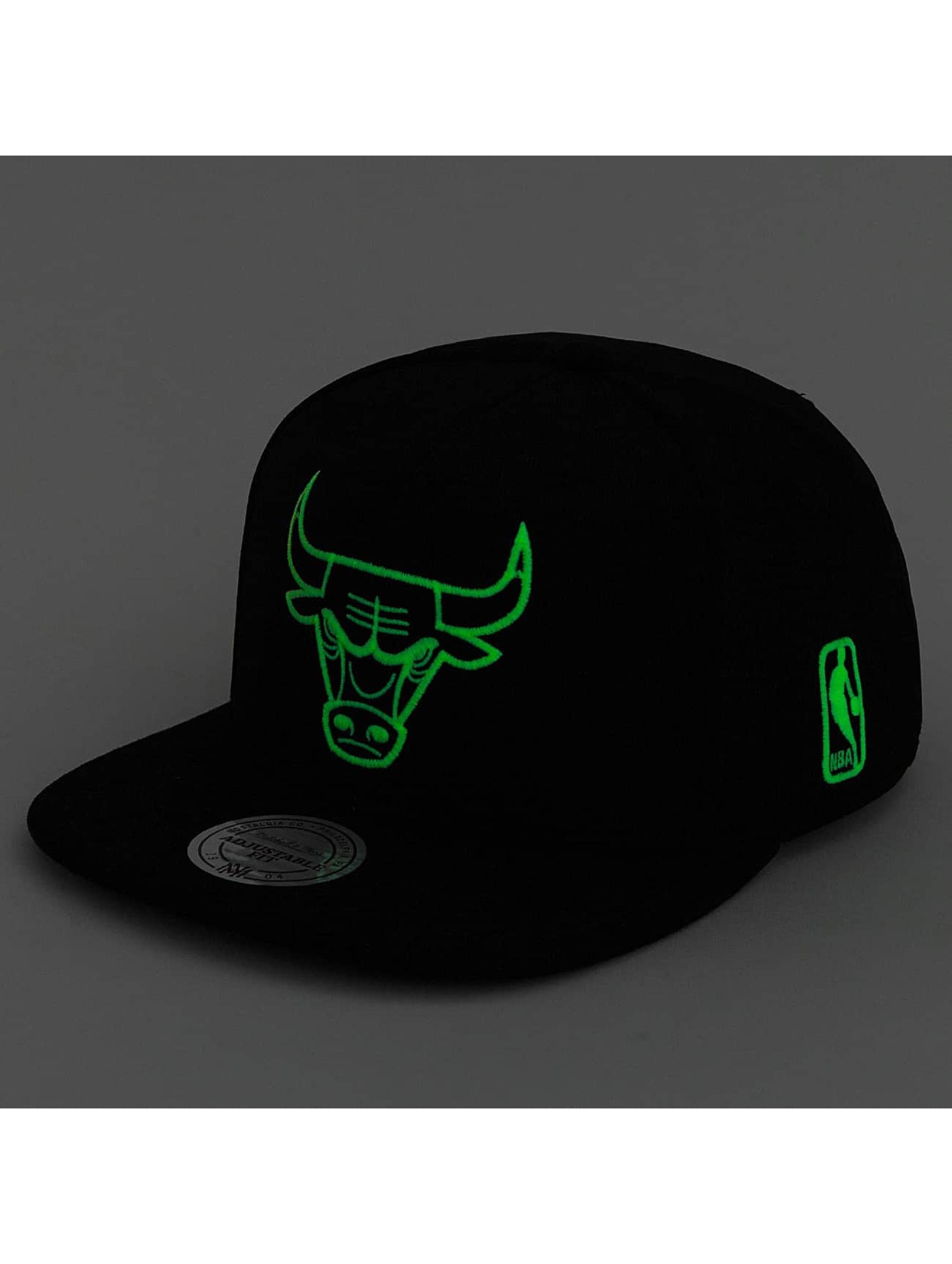 Mitchell & Ness Snapback Cap Black Sports Mesh Chicago Bulls schwarz