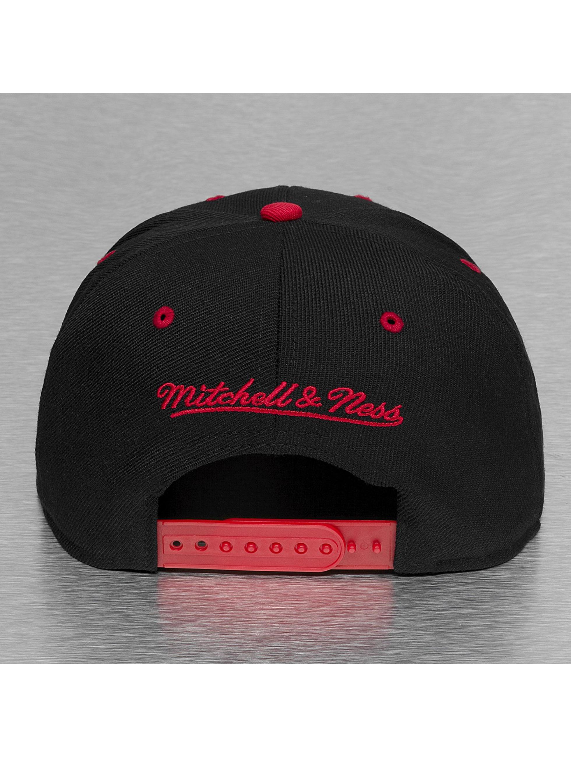 Mitchell & Ness Snapback Cap Chicago Bulls schwarz