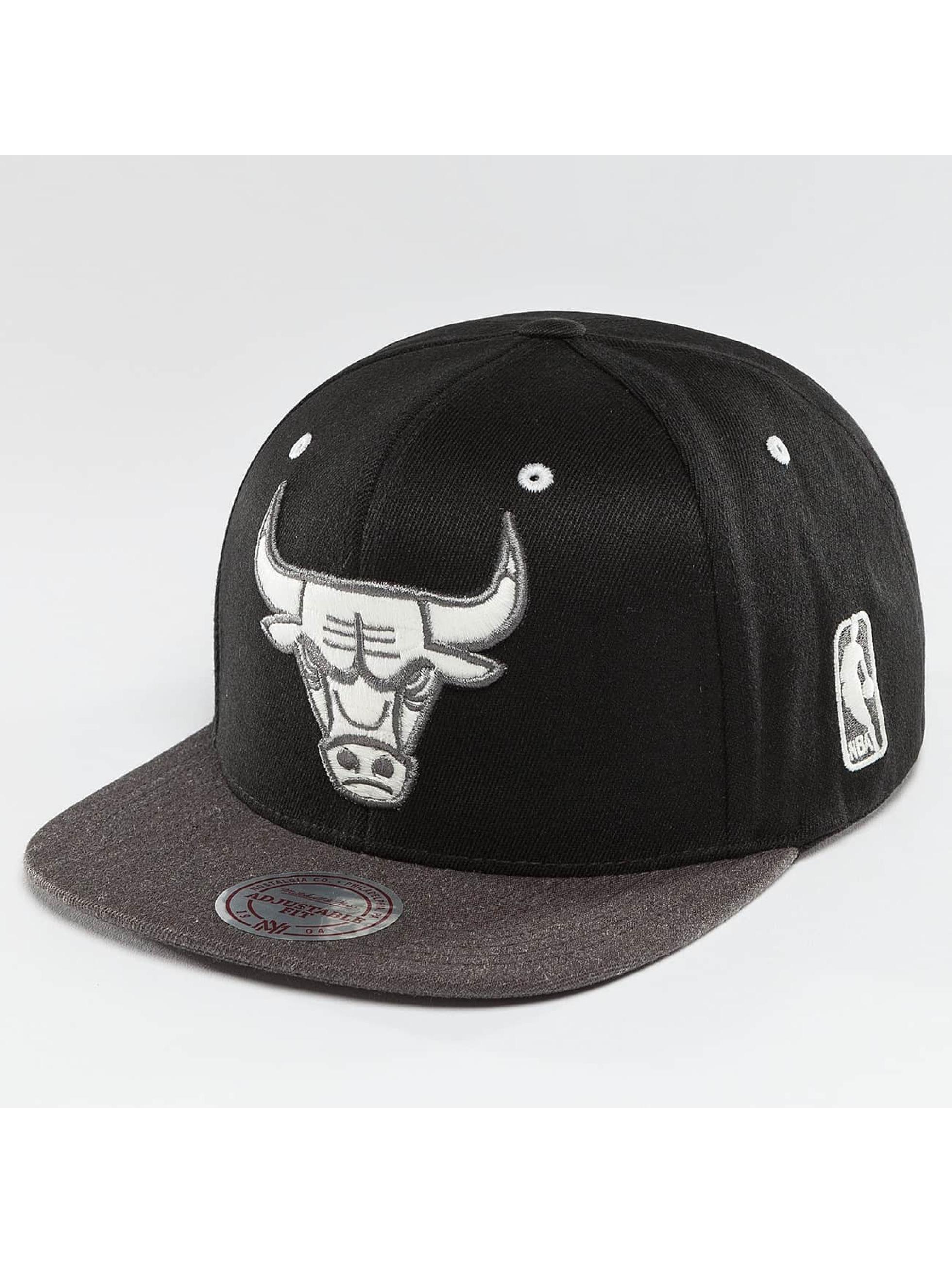 Mitchell & Ness Snapback Caps NBA 2-Tone Logo Chicago Bulls czarny