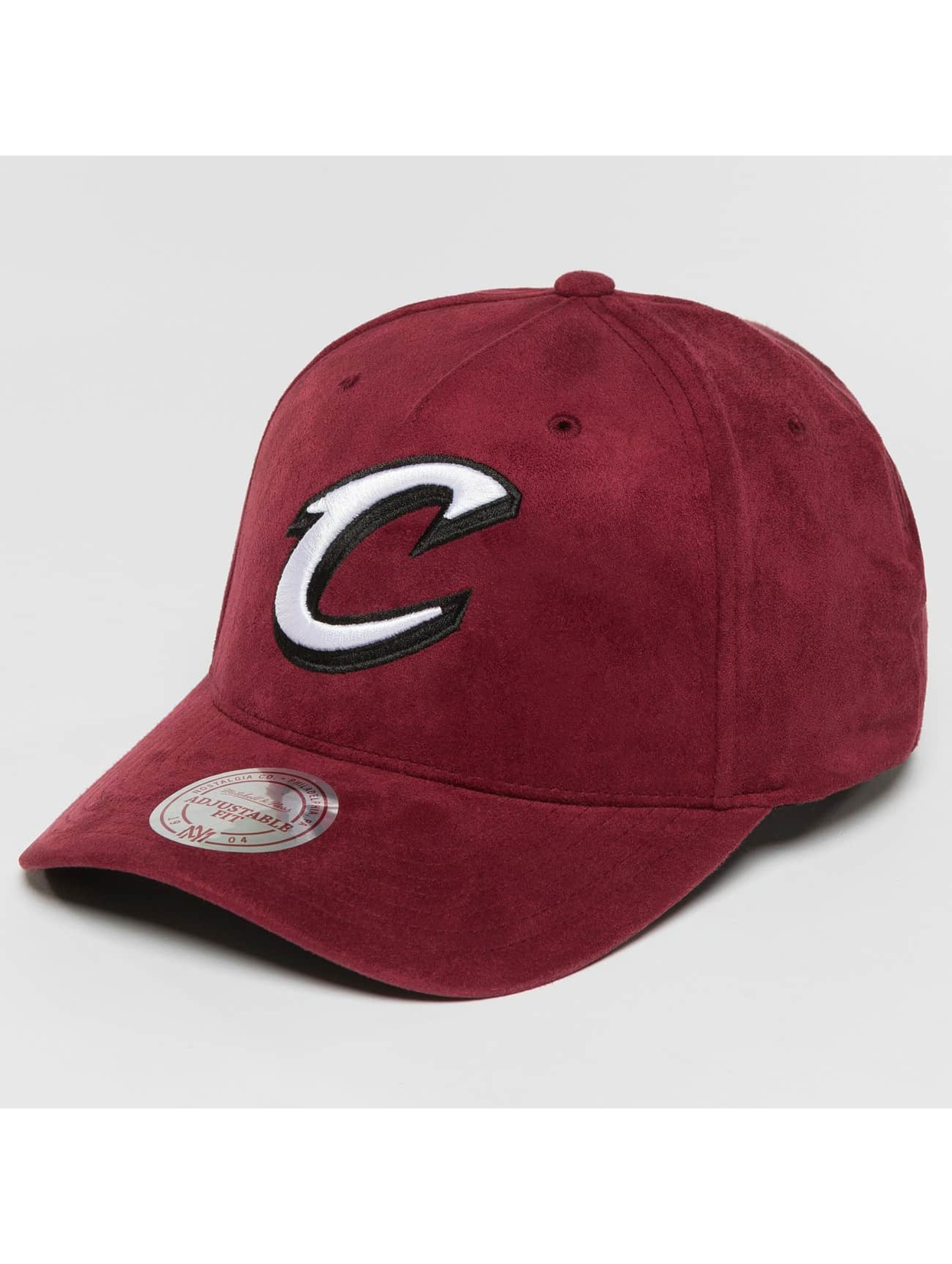 Mitchell & Ness Snapback Caps 110 Curved NBA Cleveland Cavaliers Suede punainen