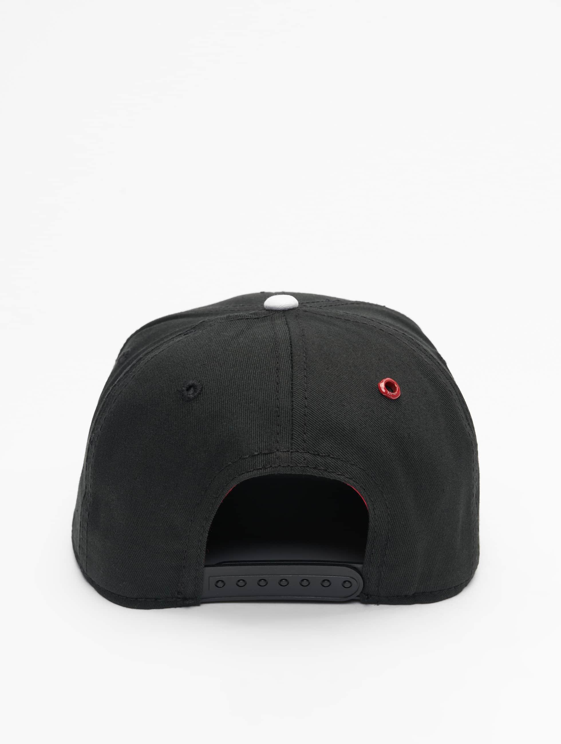 MSTRDS Snapback Cap I Letter schwarz