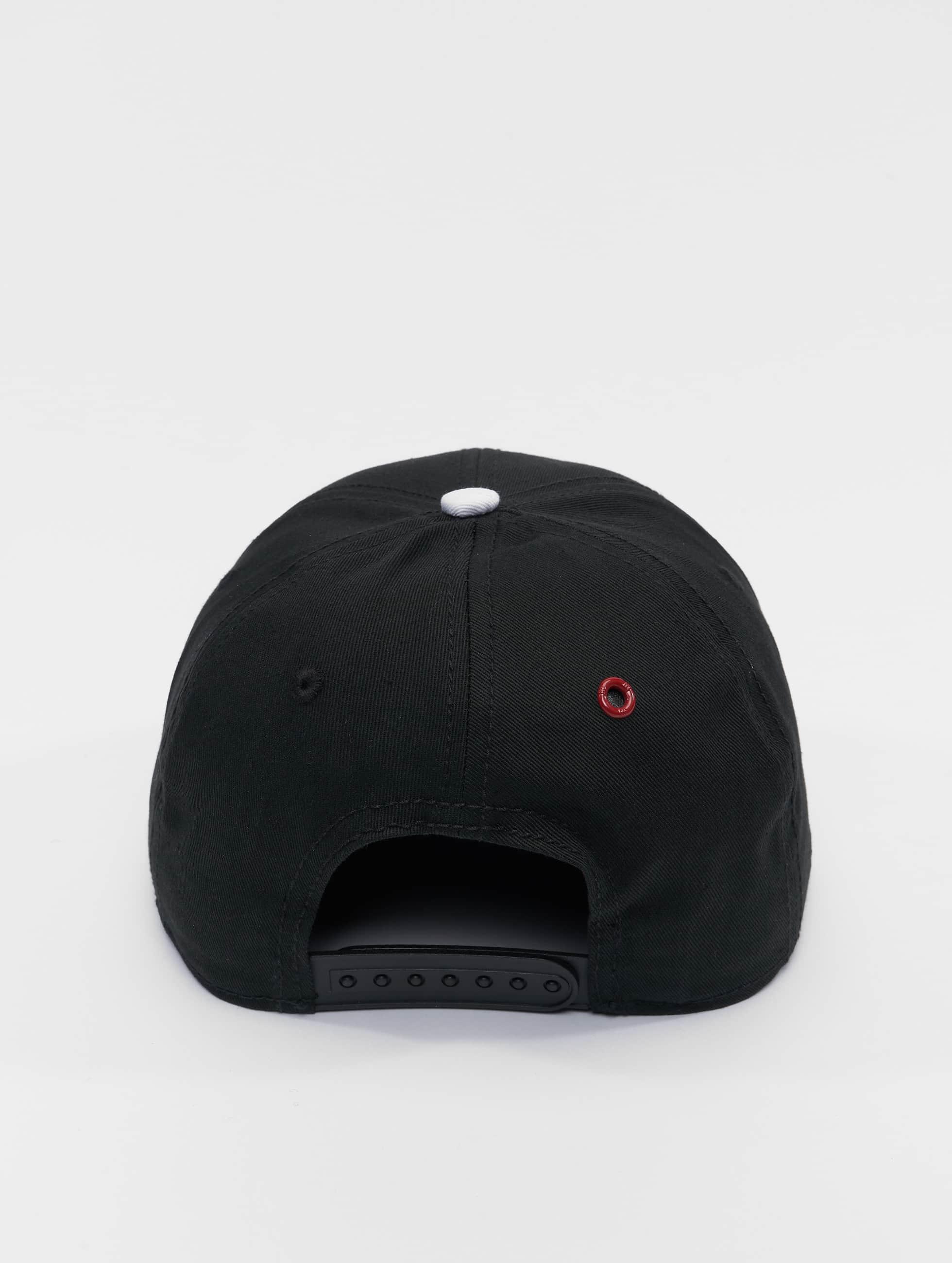 MSTRDS snapback cap T Letter zwart