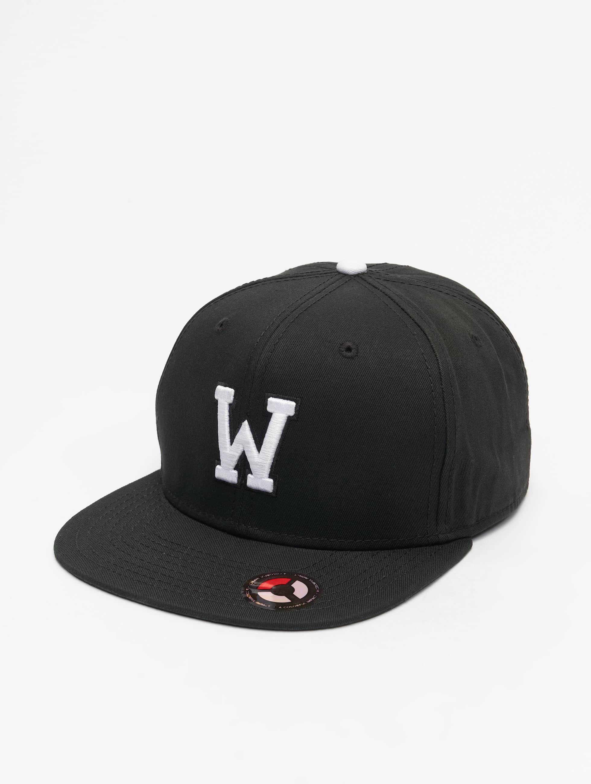 MSTRDS snapback cap W Letter zwart