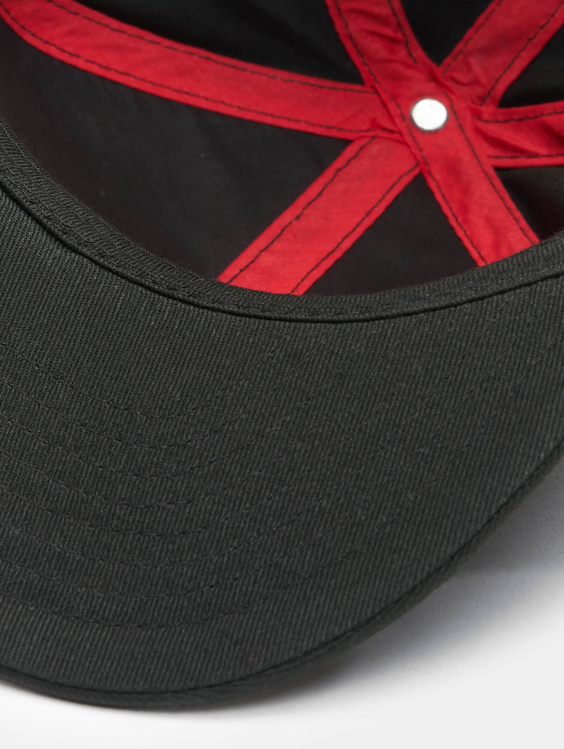MSTRDS Snapback Caps O Letter musta