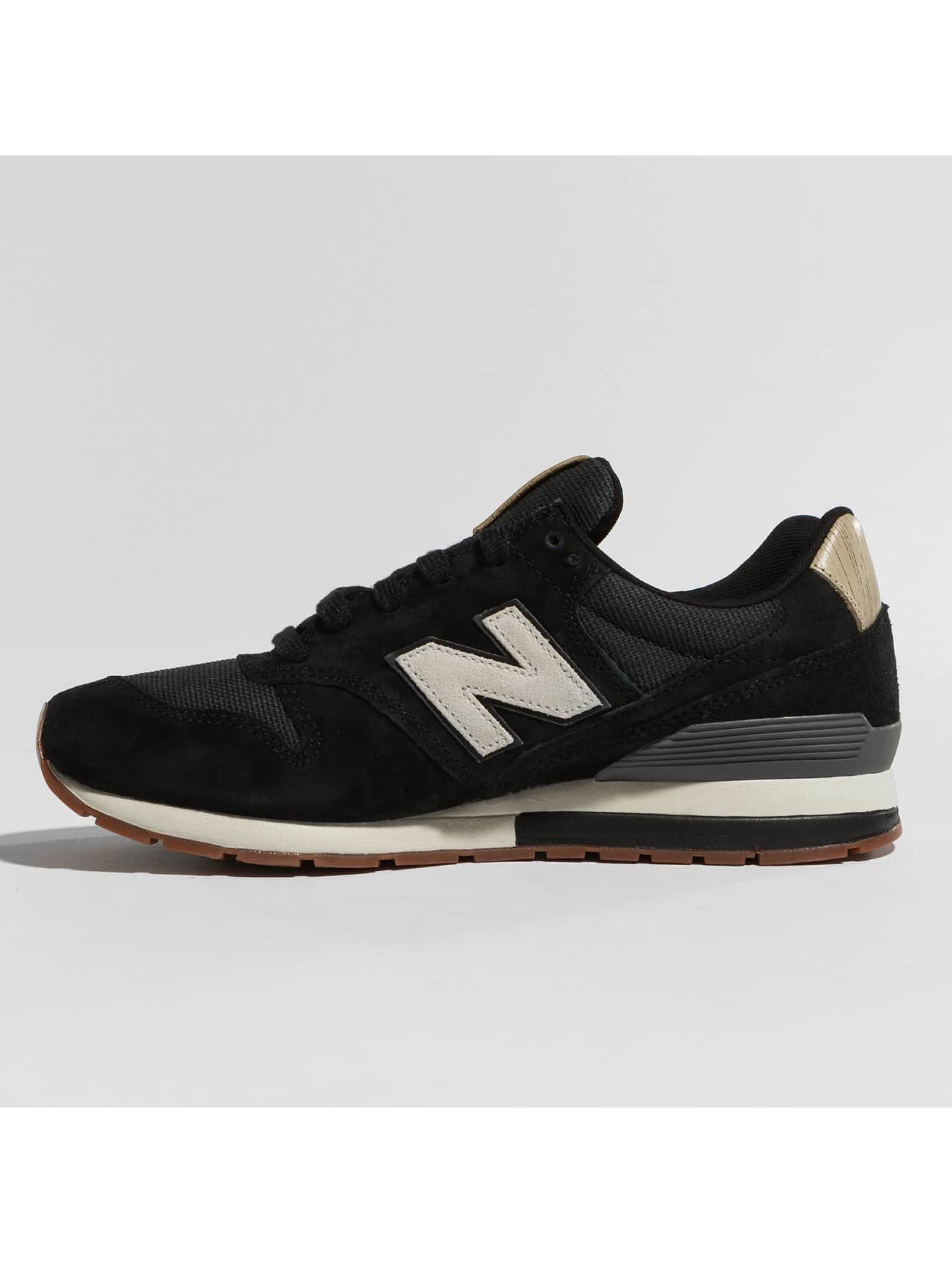 New Balance Sneaker MRL996 schwarz