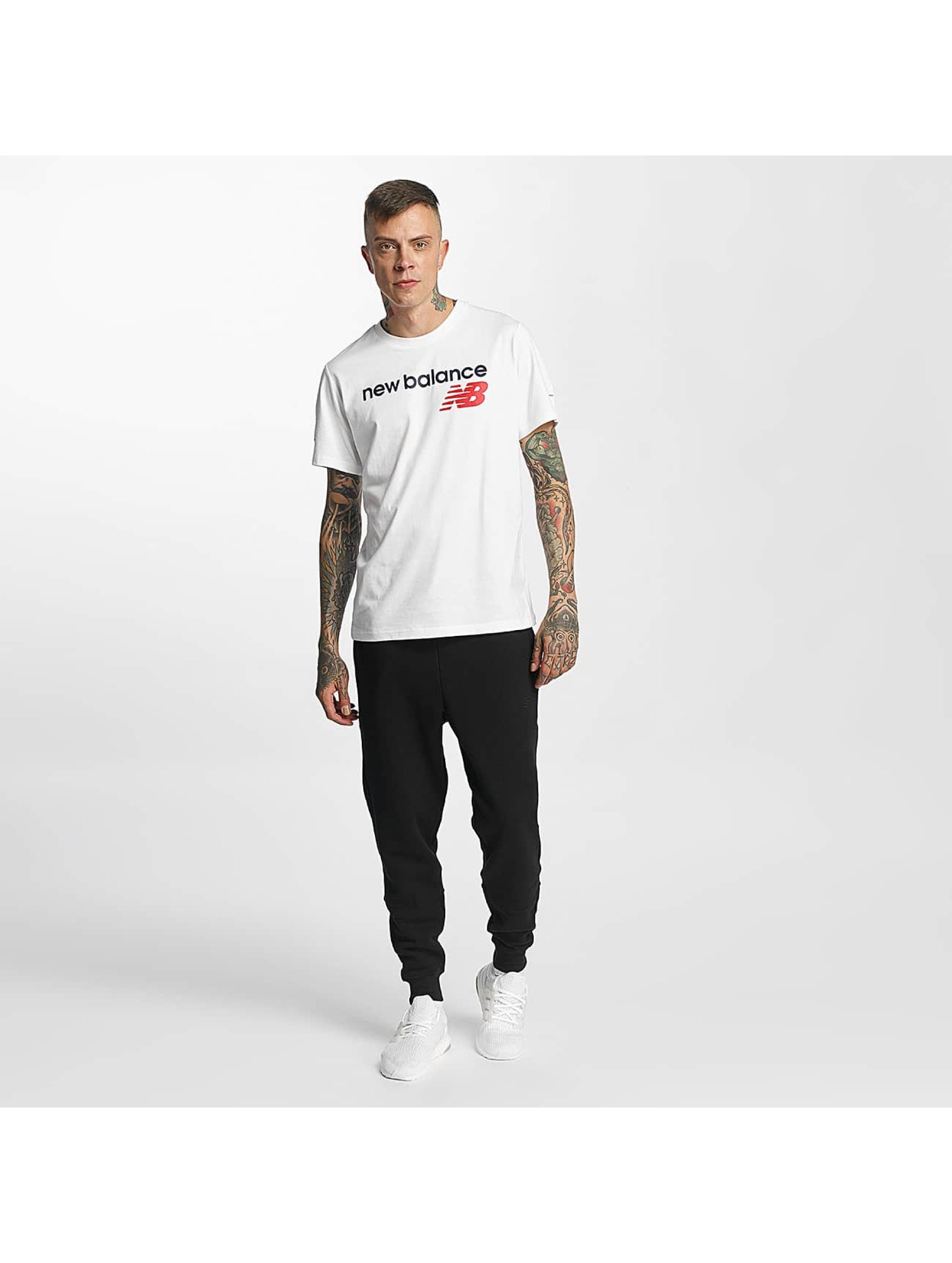 New Balance Spodnie do joggingu Essentials czarny
