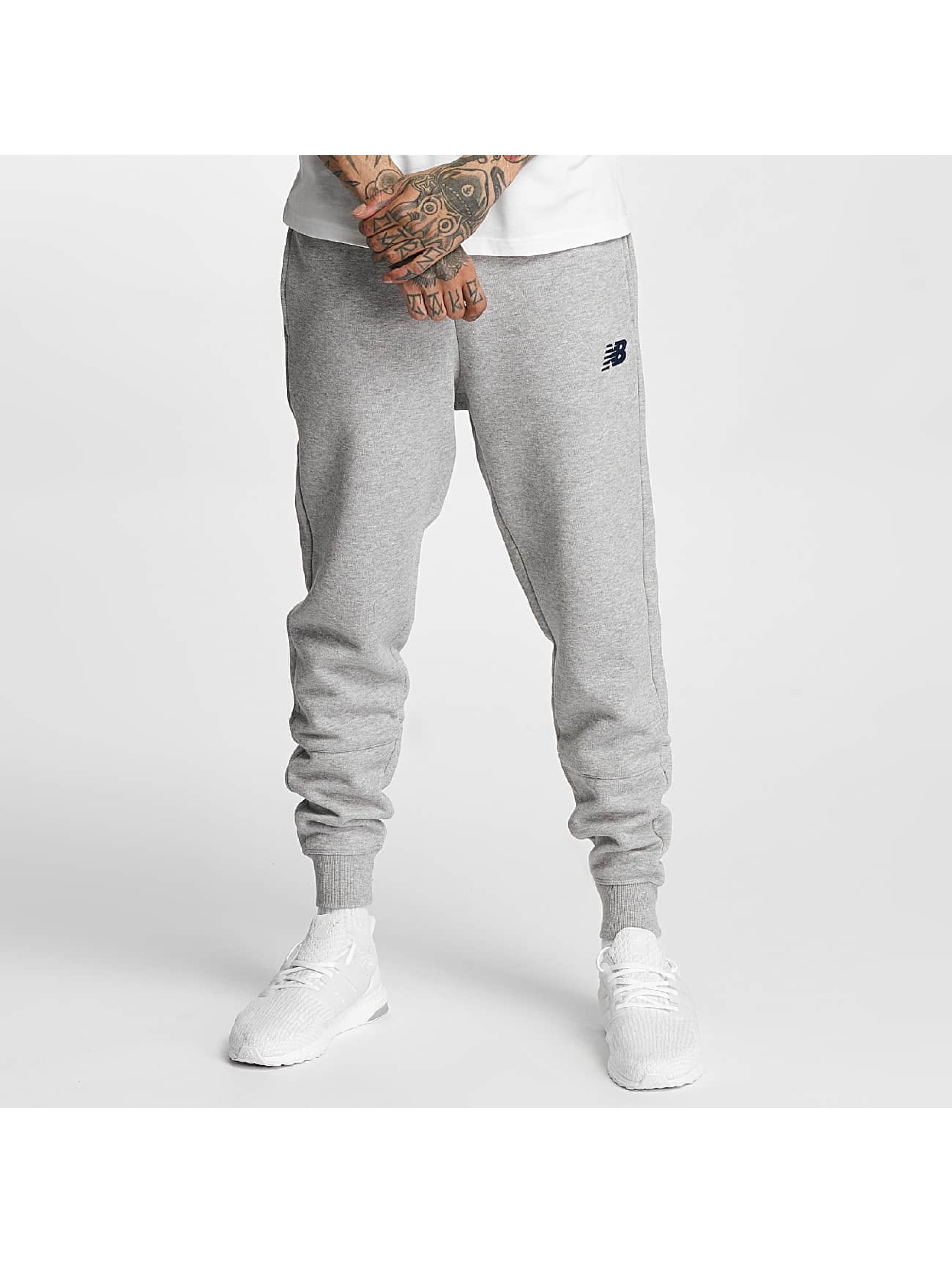 New Balance Spodnie do joggingu Essentials szary
