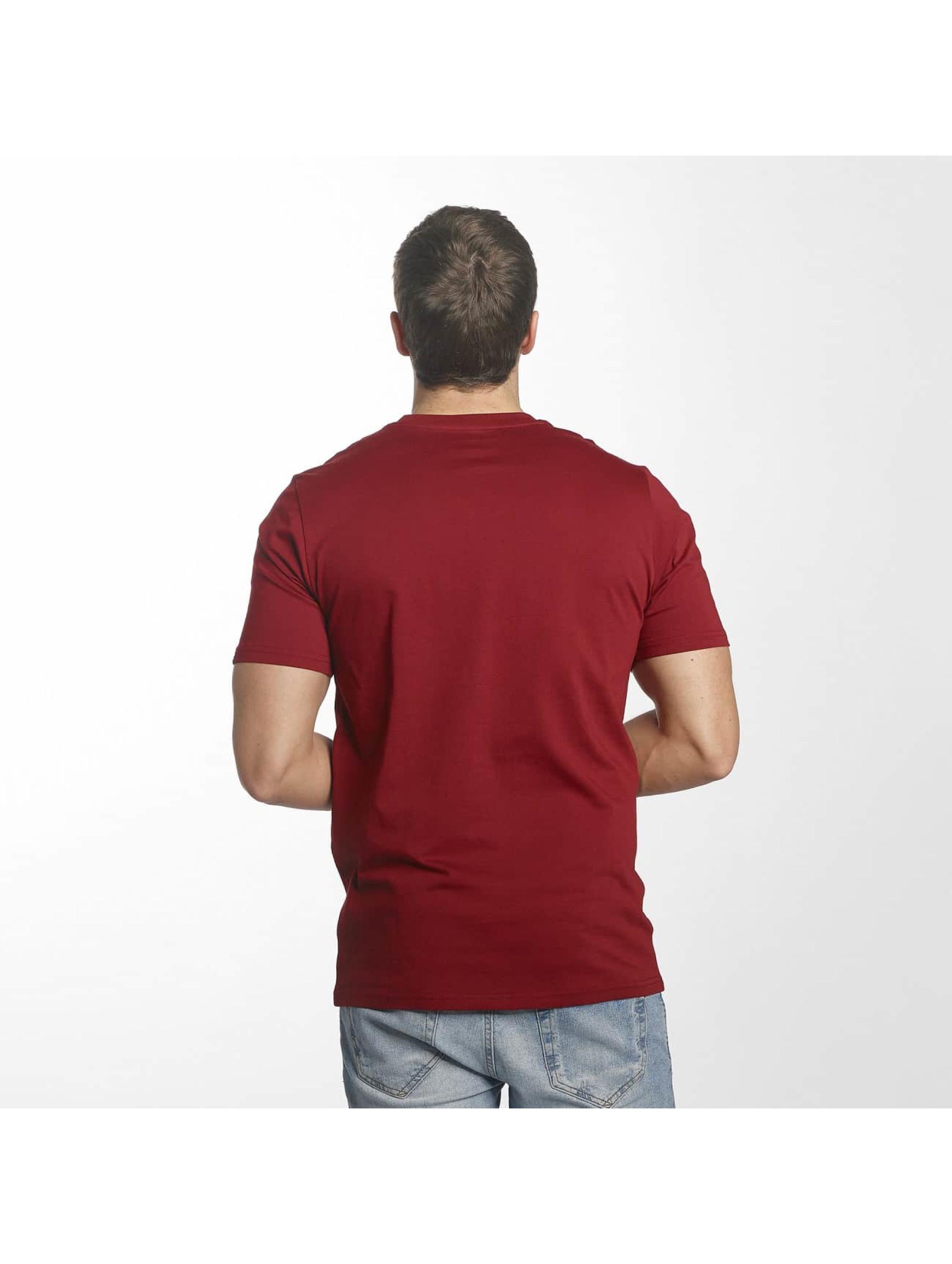 New Balance T-skjorter MT73587 Essentials red