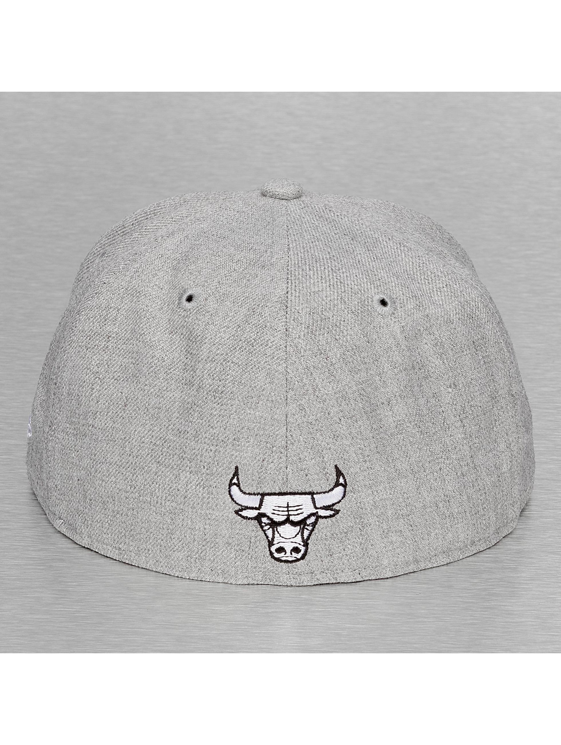 New Era Бейсболка Chicago Bulls серый