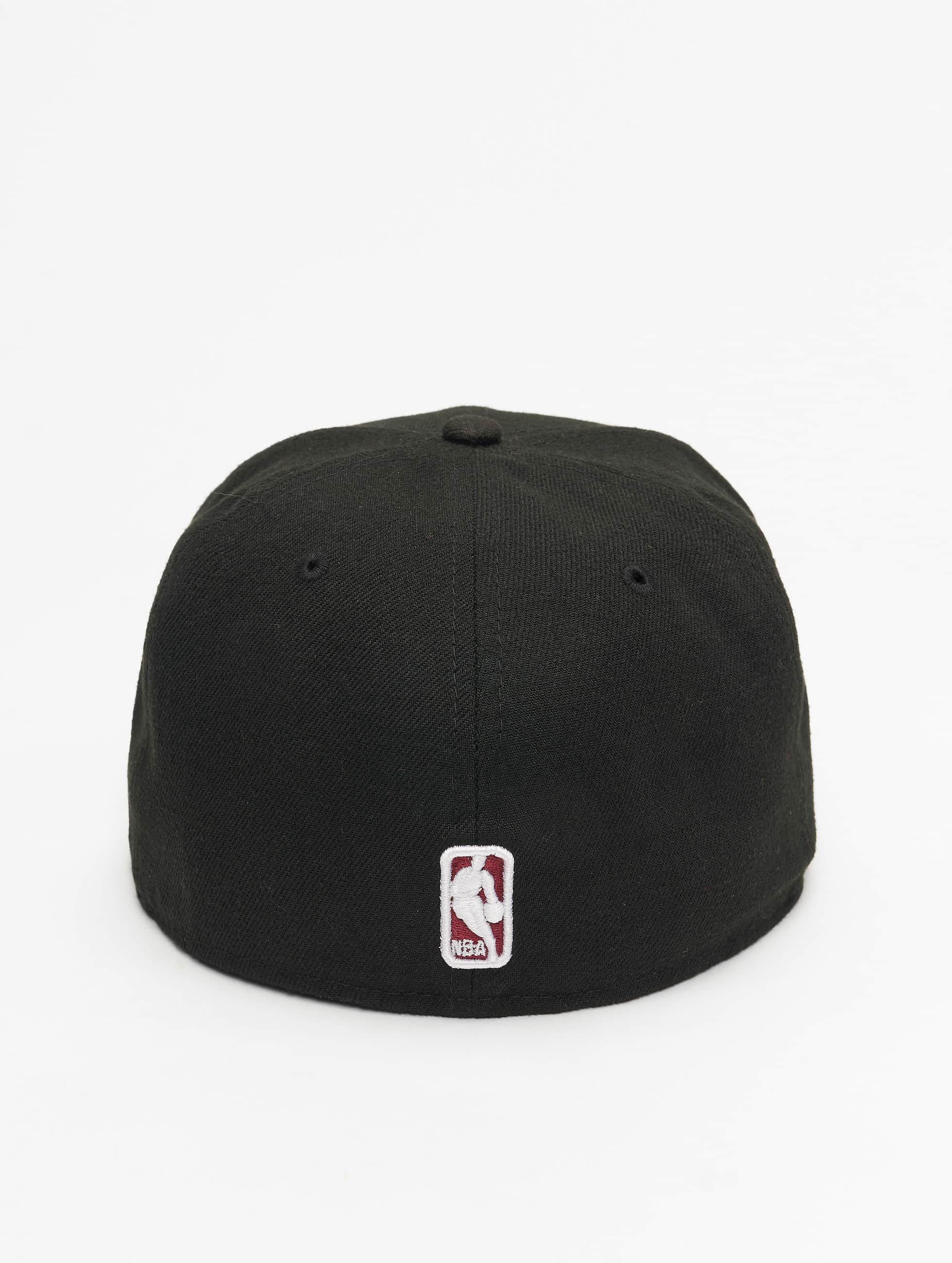 New Era Бейсболка NBA Basic Miami Heat 59Fifty черный