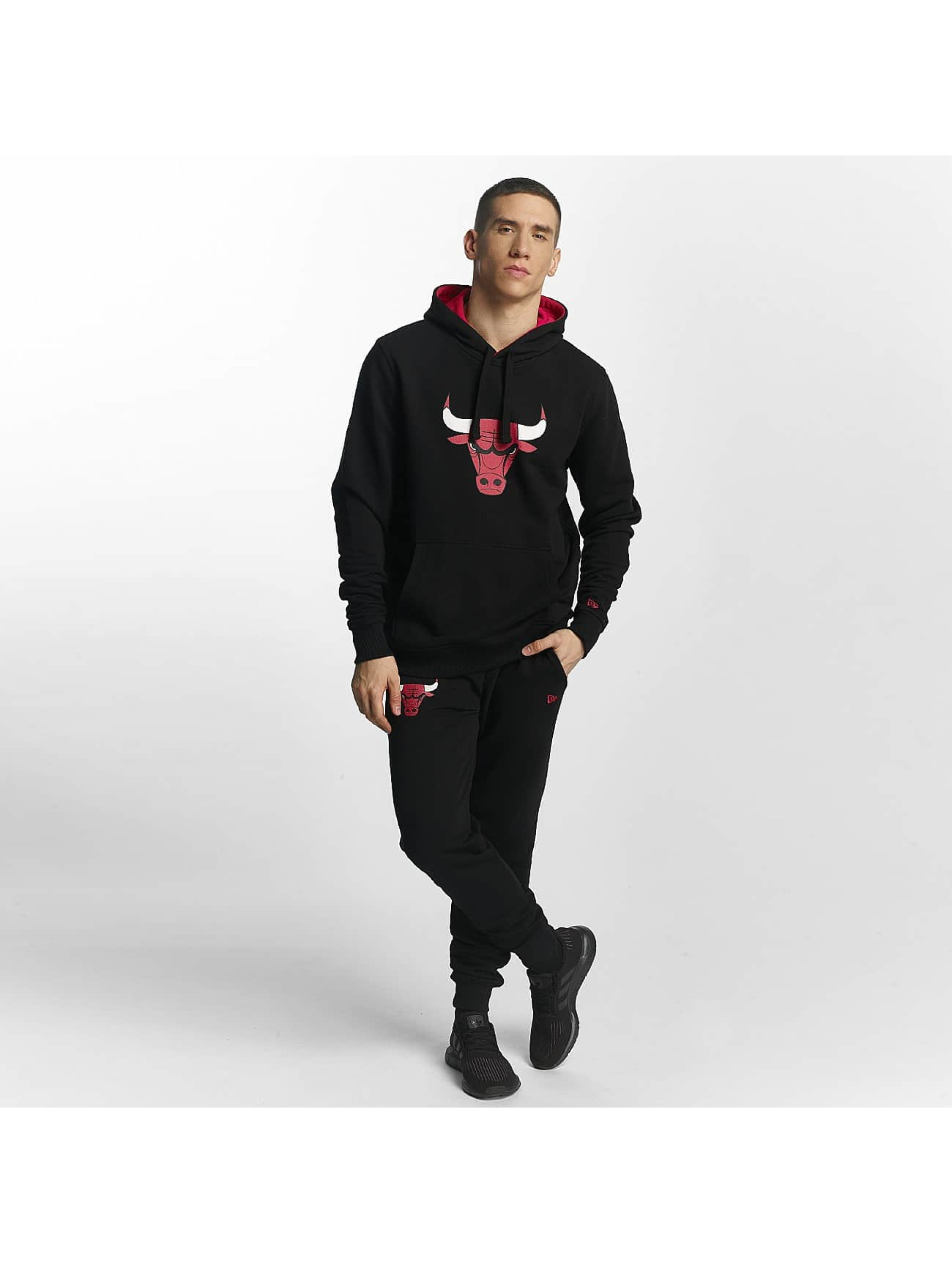 New Era Bluzy z kapturem Chicago Bulls czarny