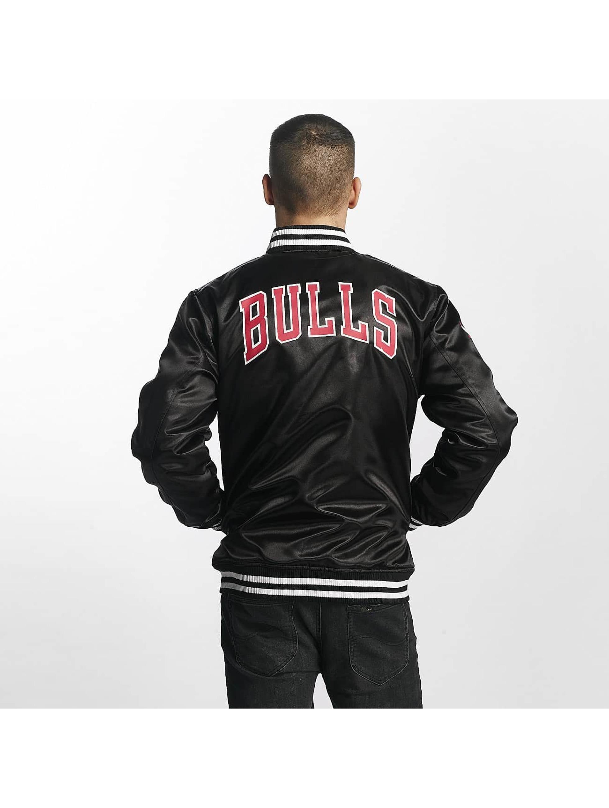 New Era Bomberová bunda Chicago Bulls èierna