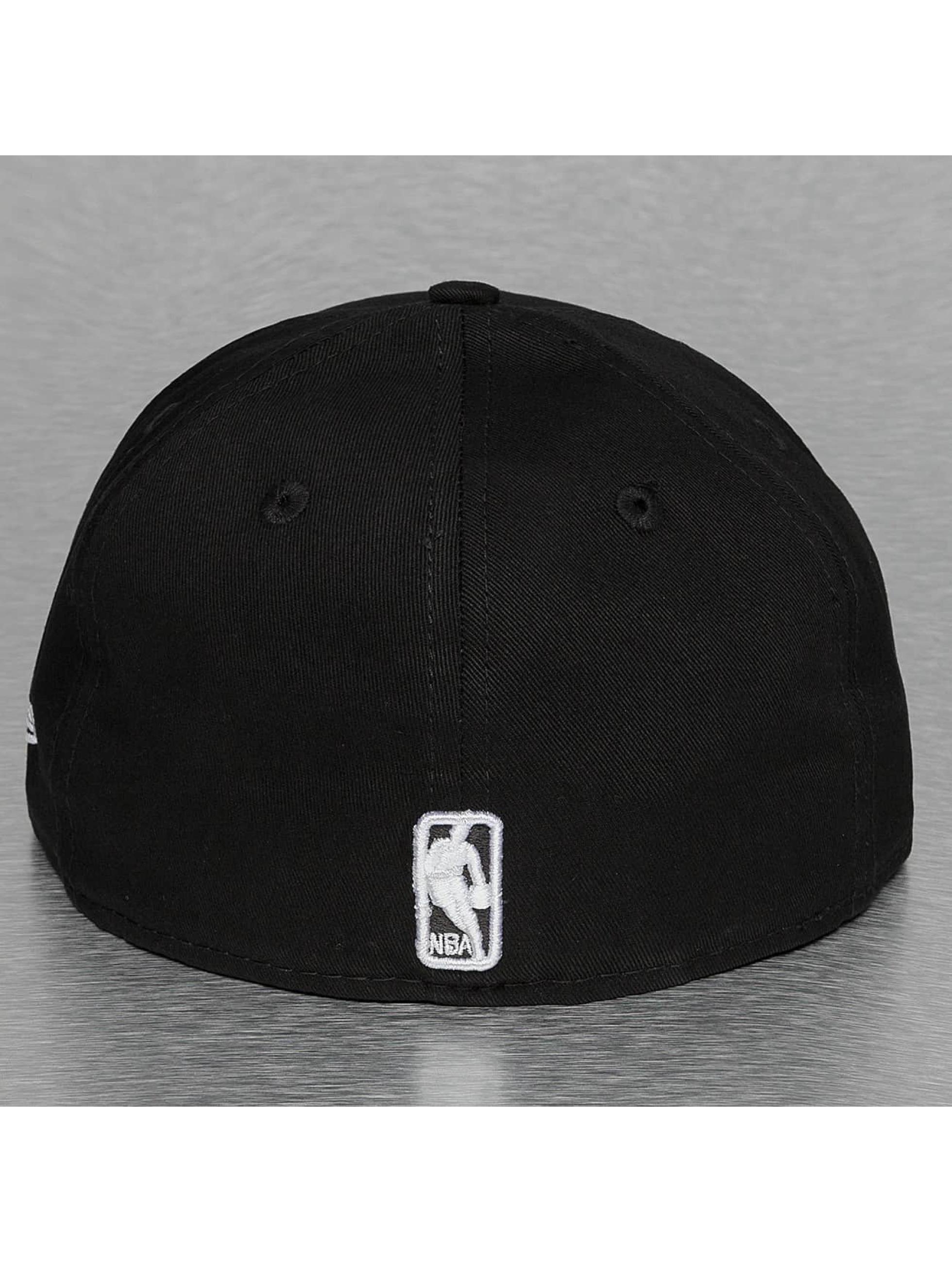 New Era Fitted Cap Black Base Chicago Bulls èierna