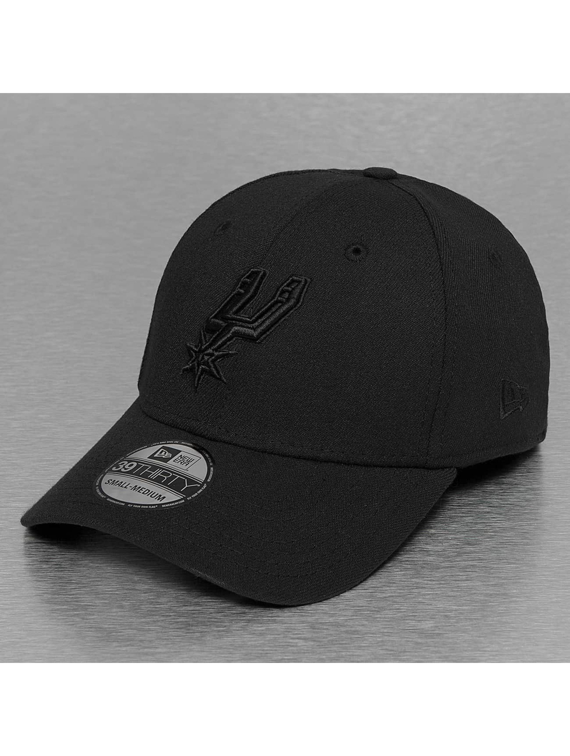 New Era Flexfitted Cap NBA Black On Black San Antonio Spurs 39Thirty èierna