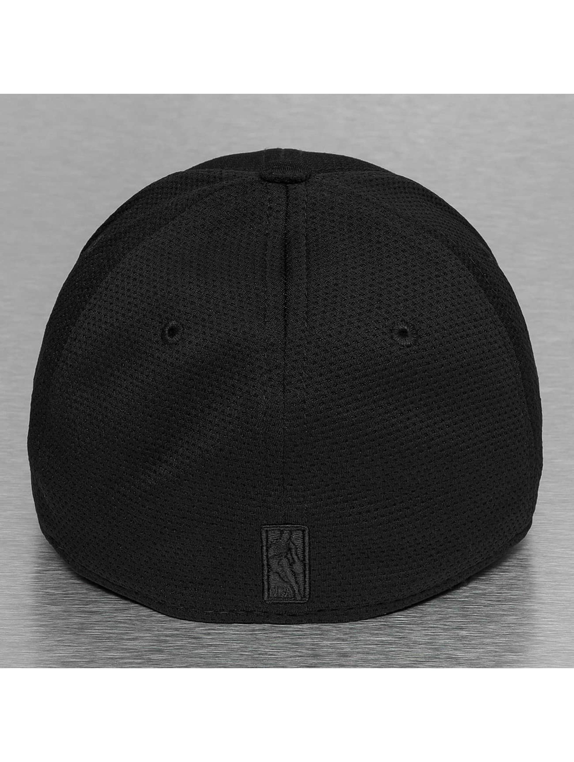 New Era Flexfitted Cap NBA Reflective Pack Cleveland Cavaliers 39Thirty black