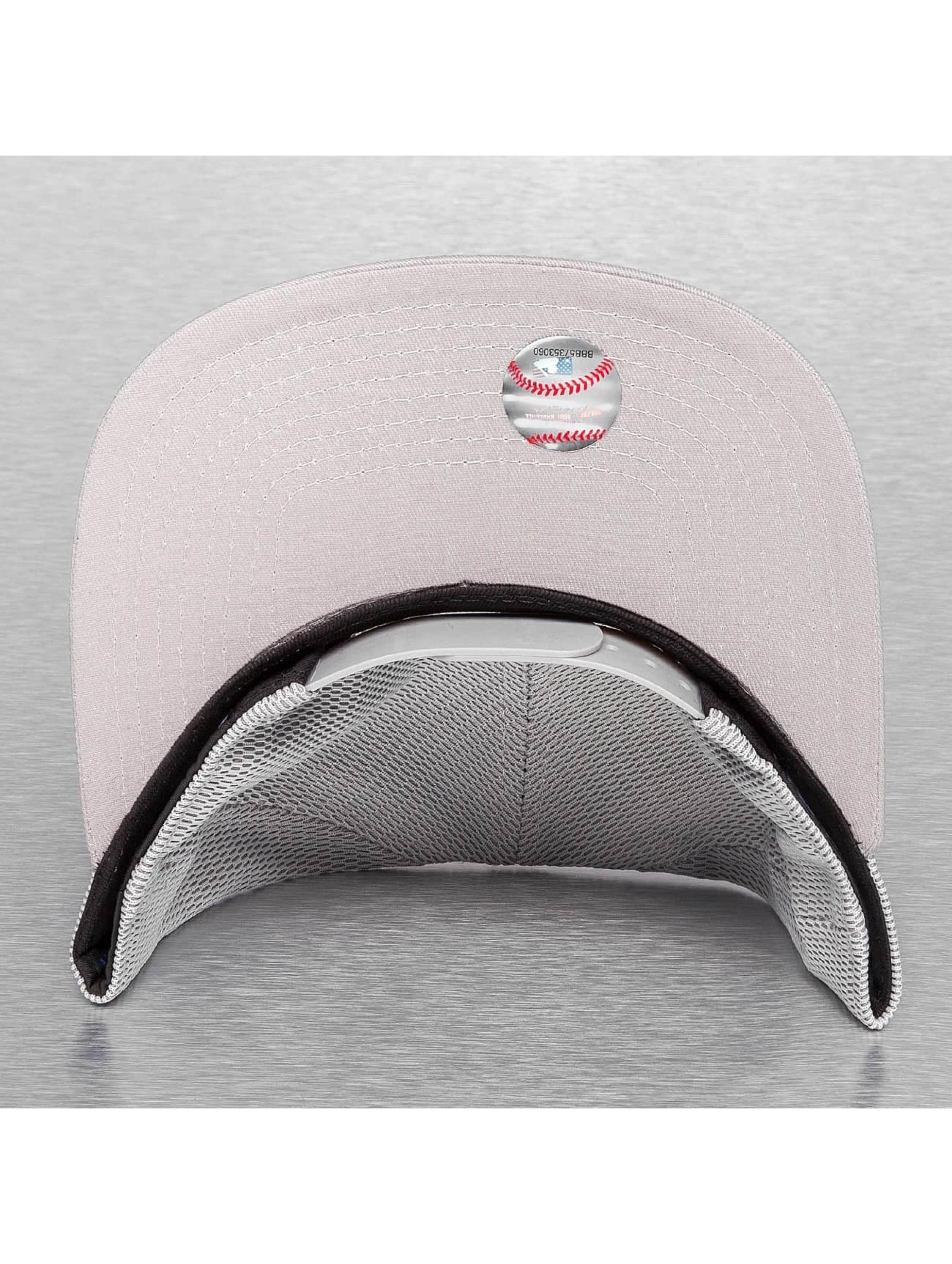 New Era Snapback Cap Mesh Overlay NY Yankees grau