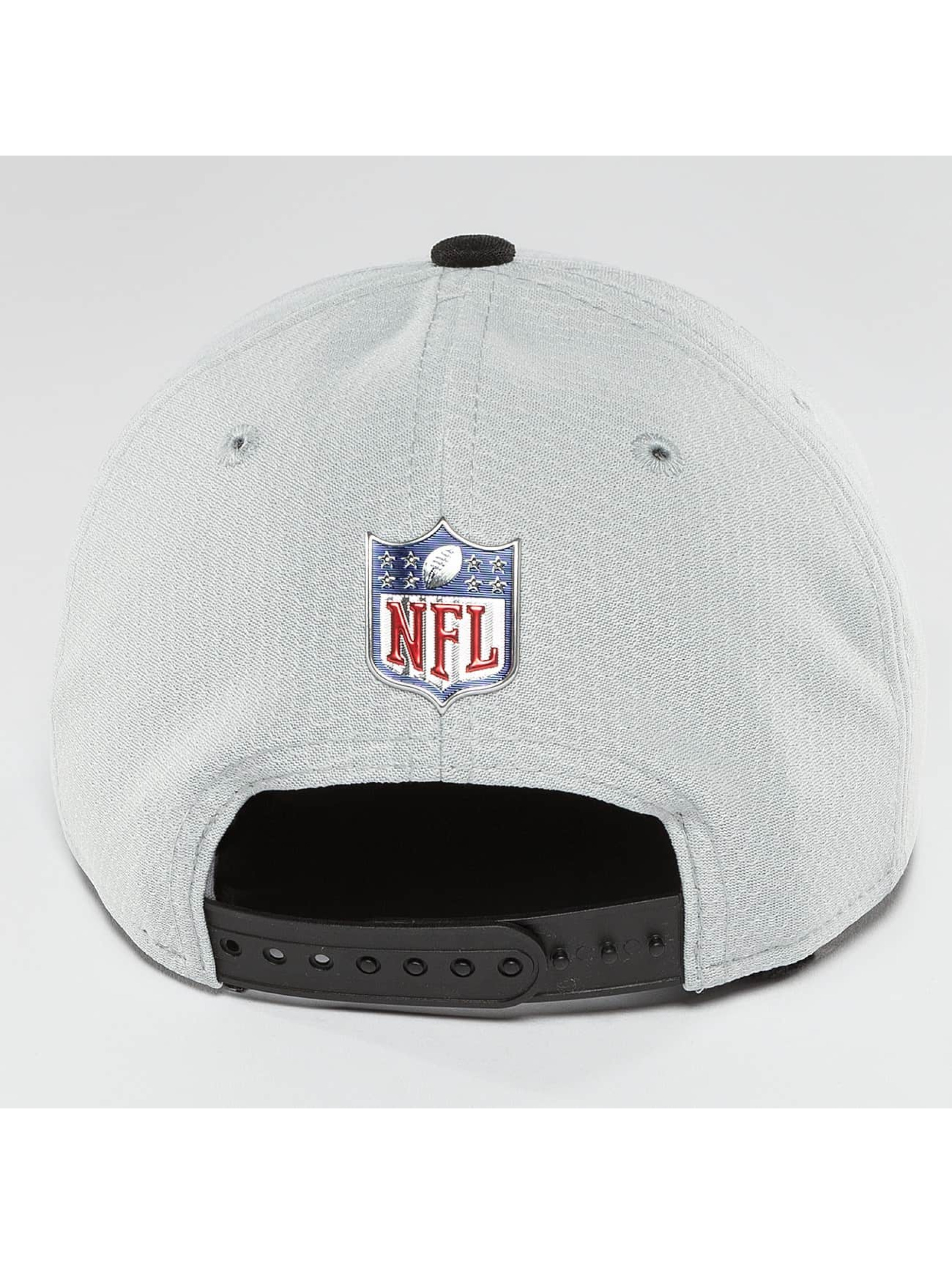 New Era Snapback Cap NFL On Field Oakland Raiders 9Fifty silberfarben