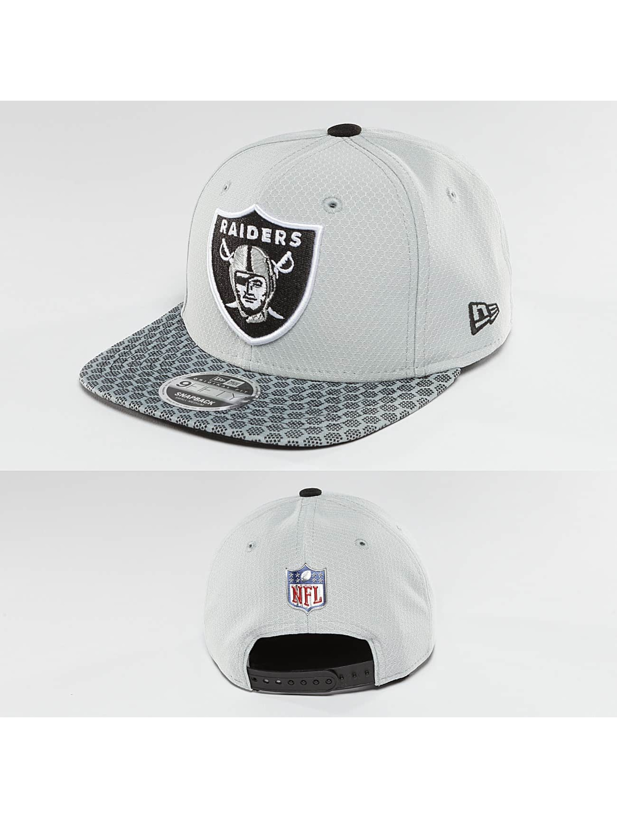 New Era Snapback Cap NFL On Field Oakland Raiders 9Fifty silver colored