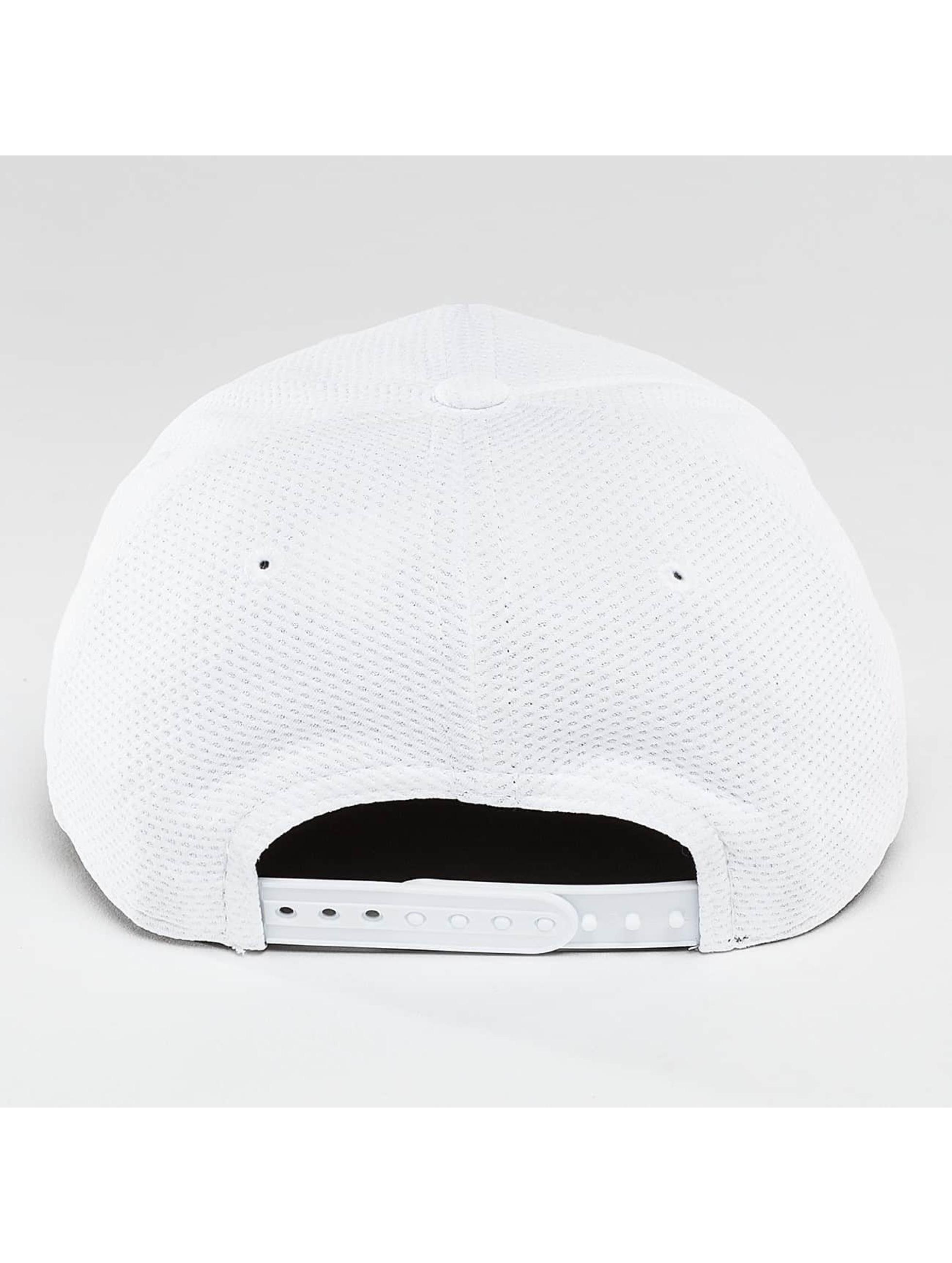 New Era Snapback Cap Tonal Logo Weld Superman white