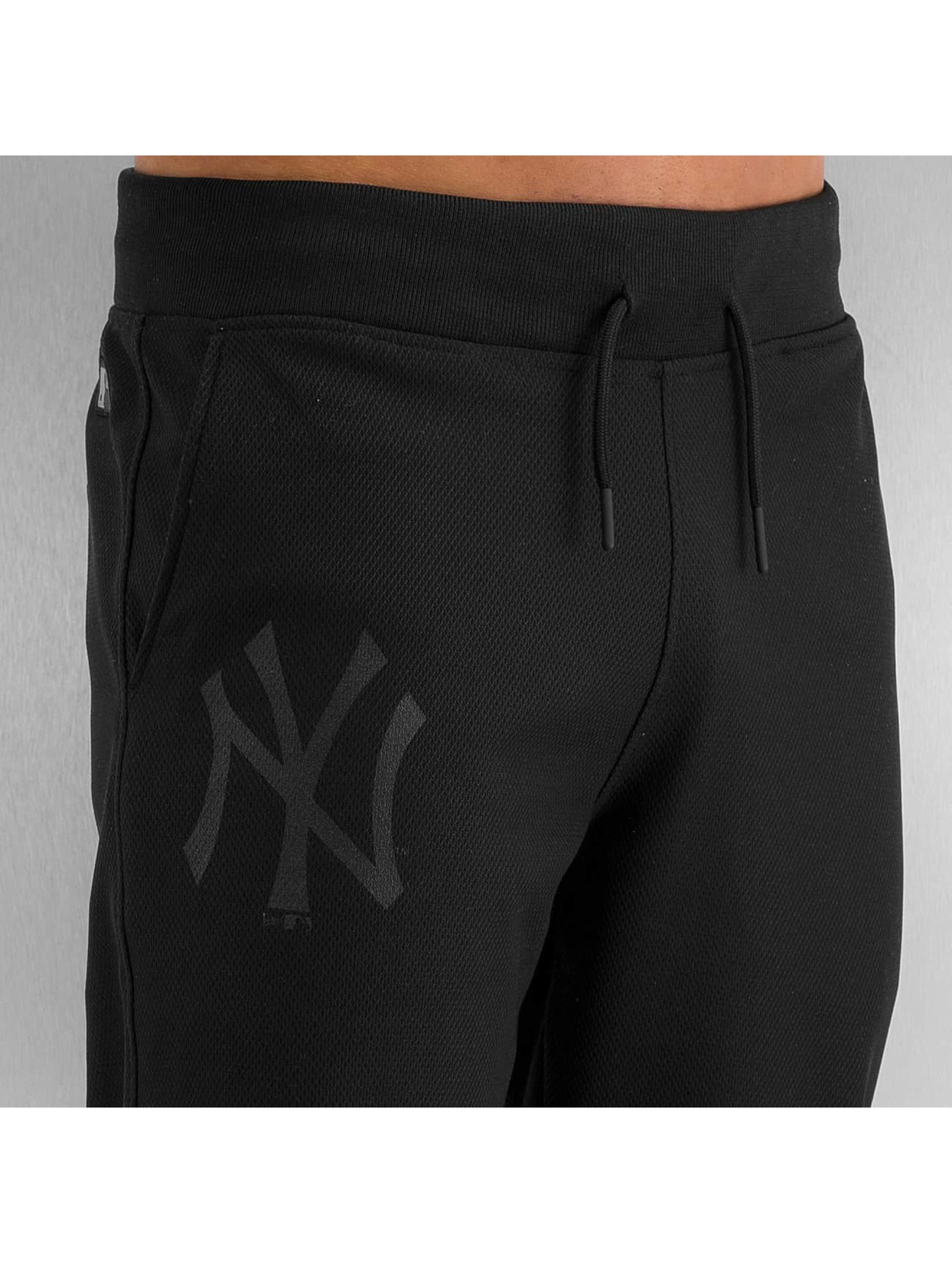 New Era Spodnie do joggingu MLB NY Yankees Remix De czarny