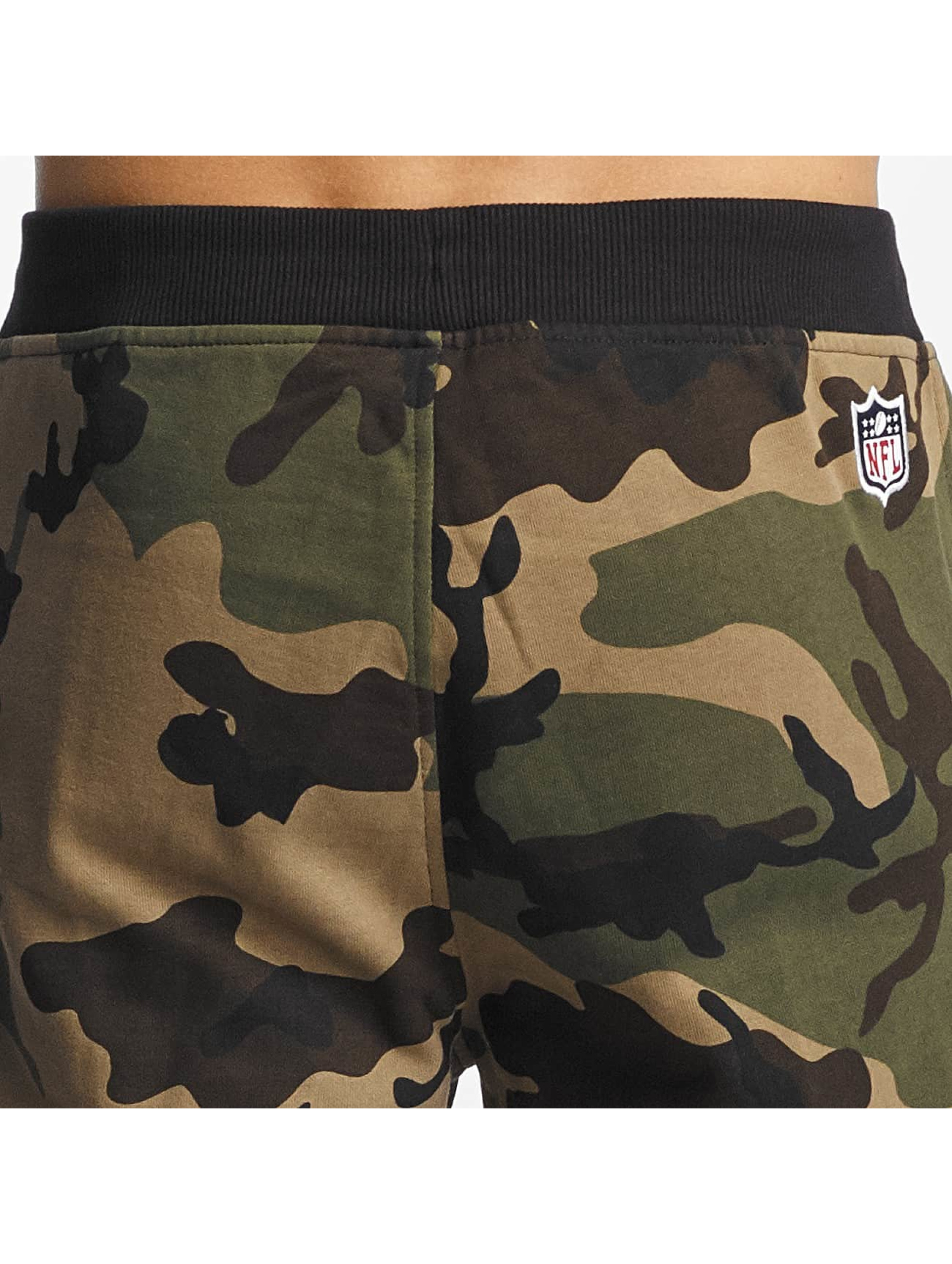 New Era Spodnie do joggingu Woodland New England Patriots moro