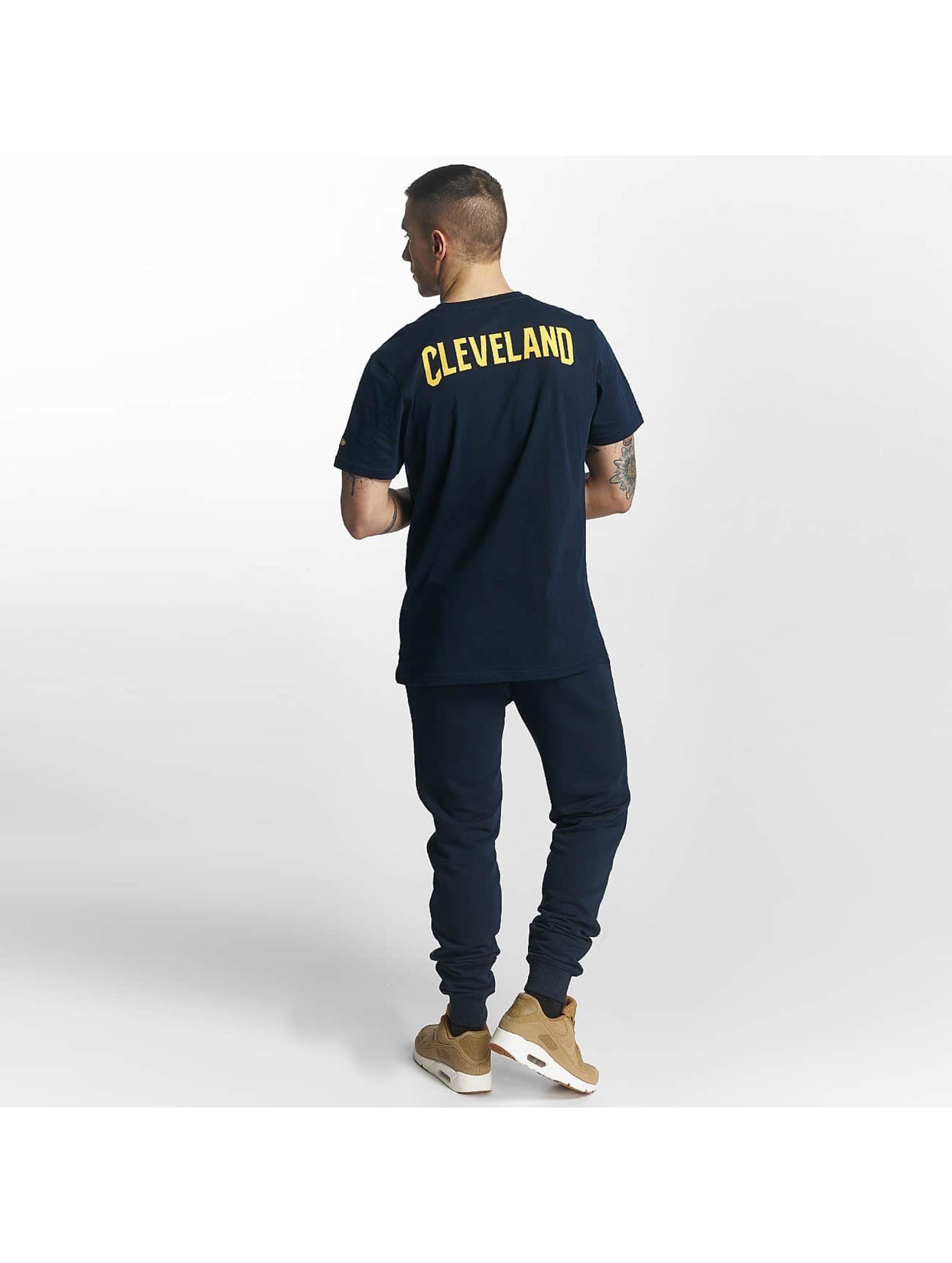 New Era T-Shirt Tip Off Cleveland Cavaliers Chest blau