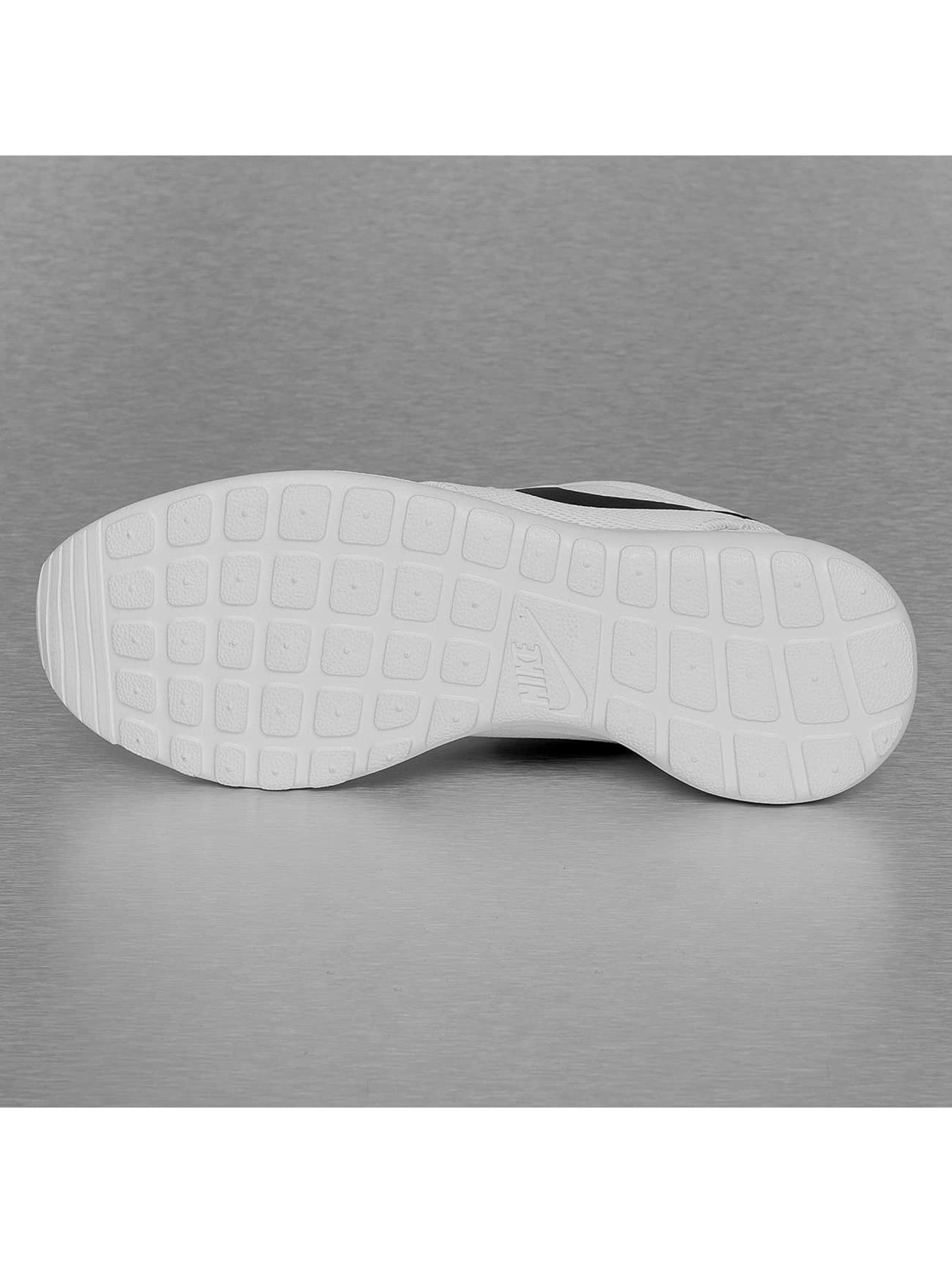 Nike Сникеры Roshe One белый