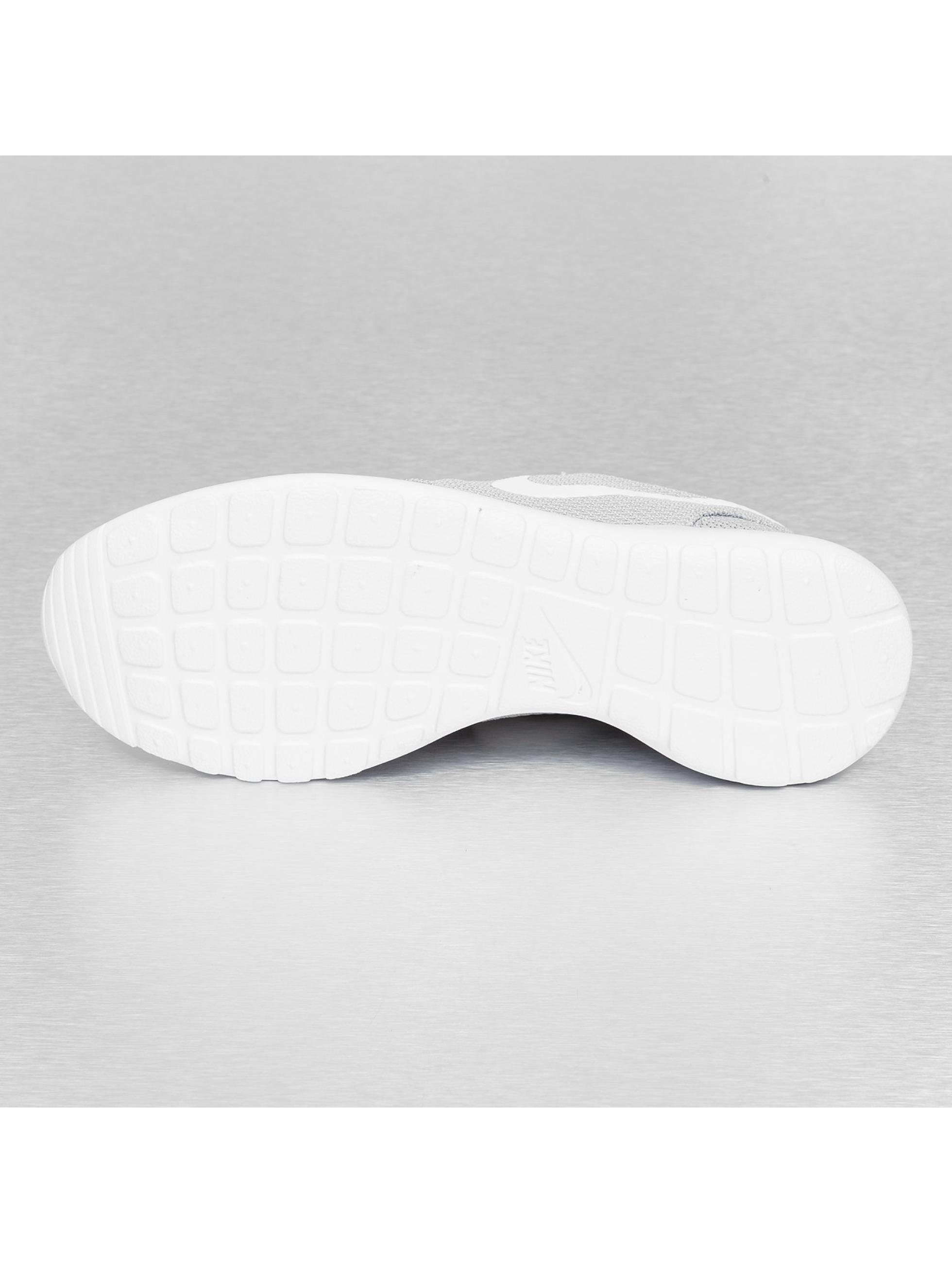 Nike Сникеры Rosherun серый