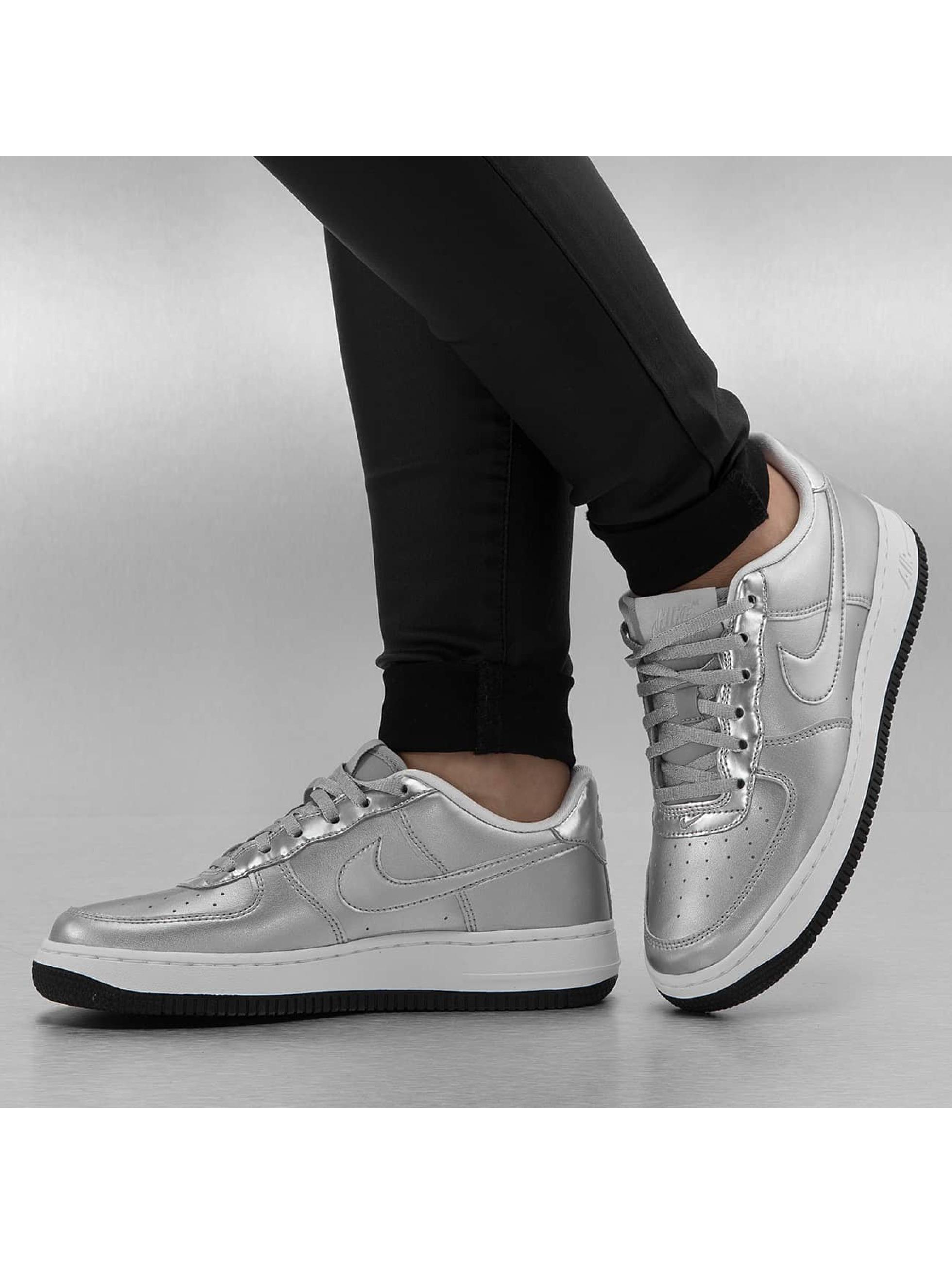 finest selection cc1b1 827fd ... Nike Chaussures  Baskets Air Force 1 SE (GS) en argent