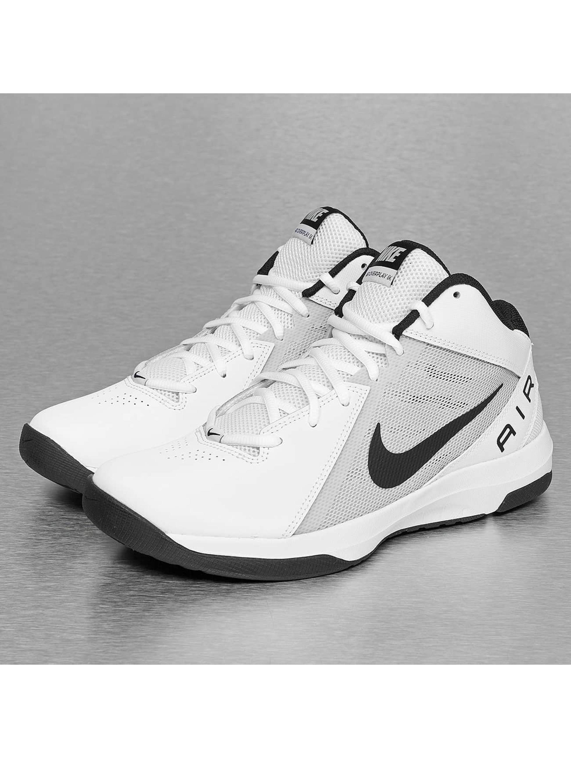 ... Nike Chaussures   Baskets The Air Overplay IX en blanc 9841e9251401