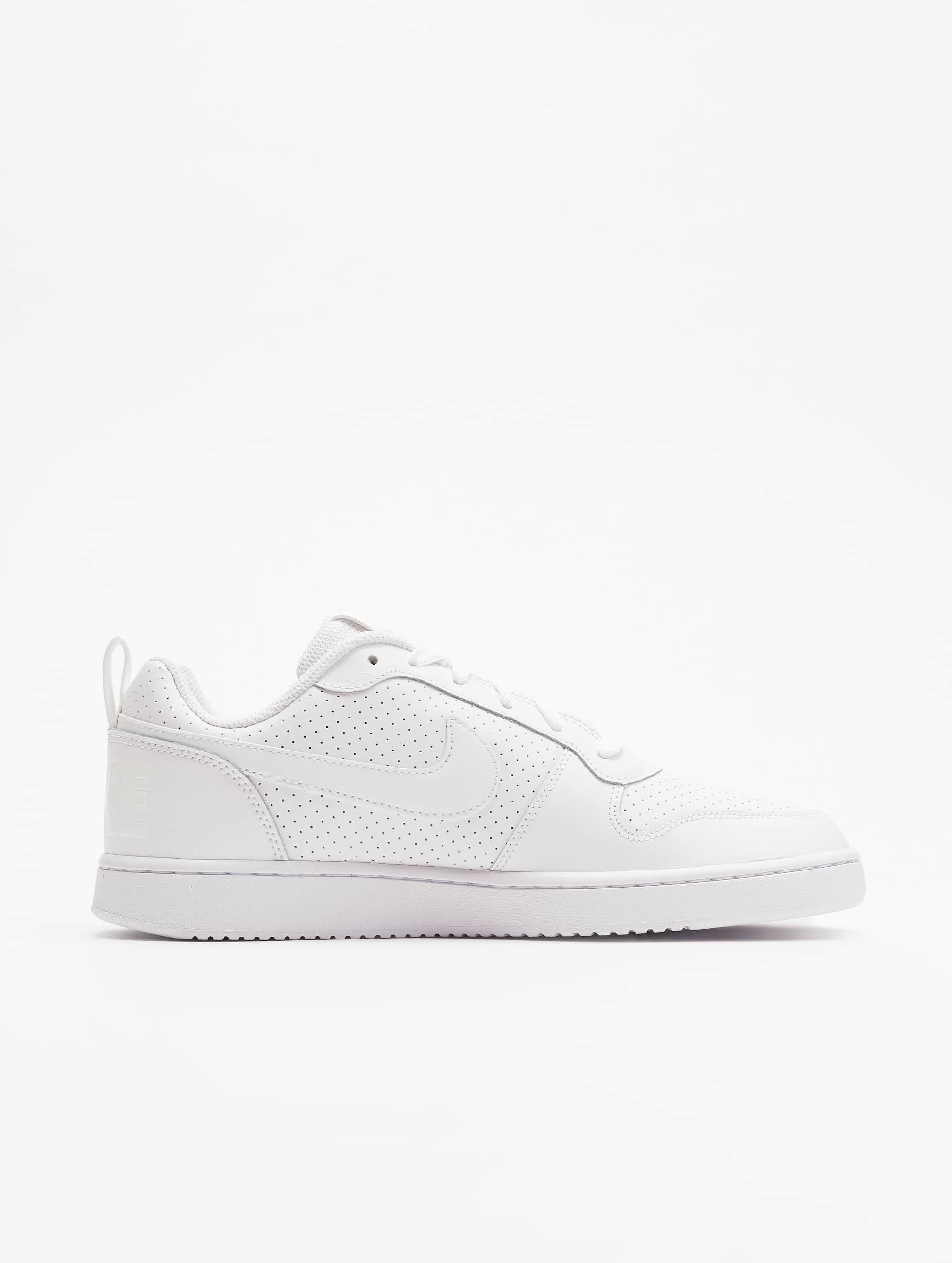 Nike Baskets Court Borough Low blanc