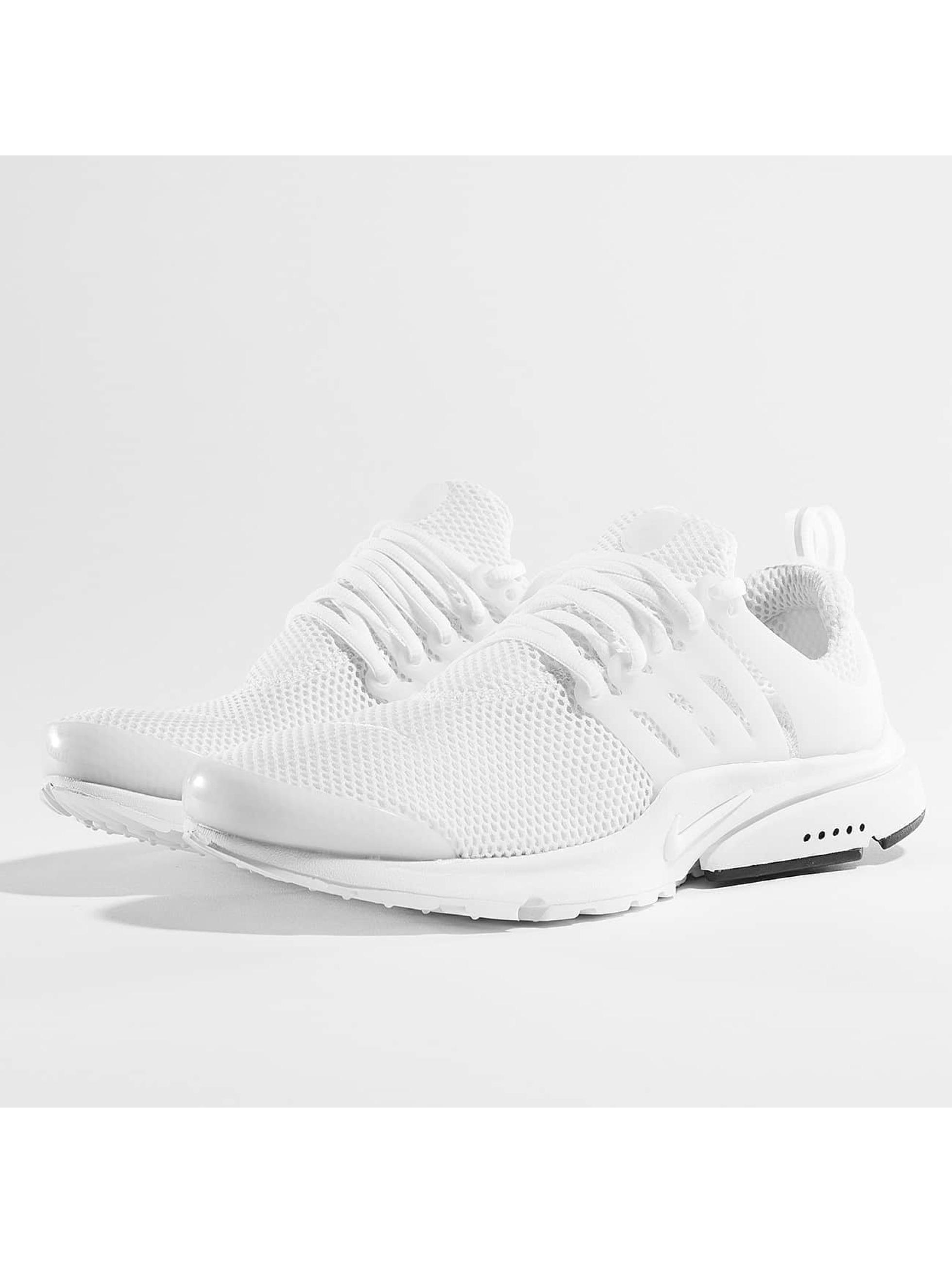 Nike Baskets Air Presto blanc