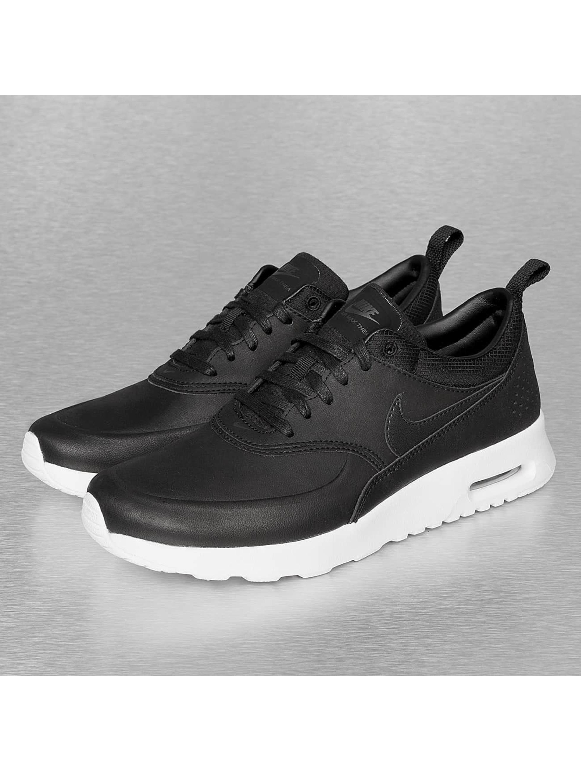 Nike Thea Rouge