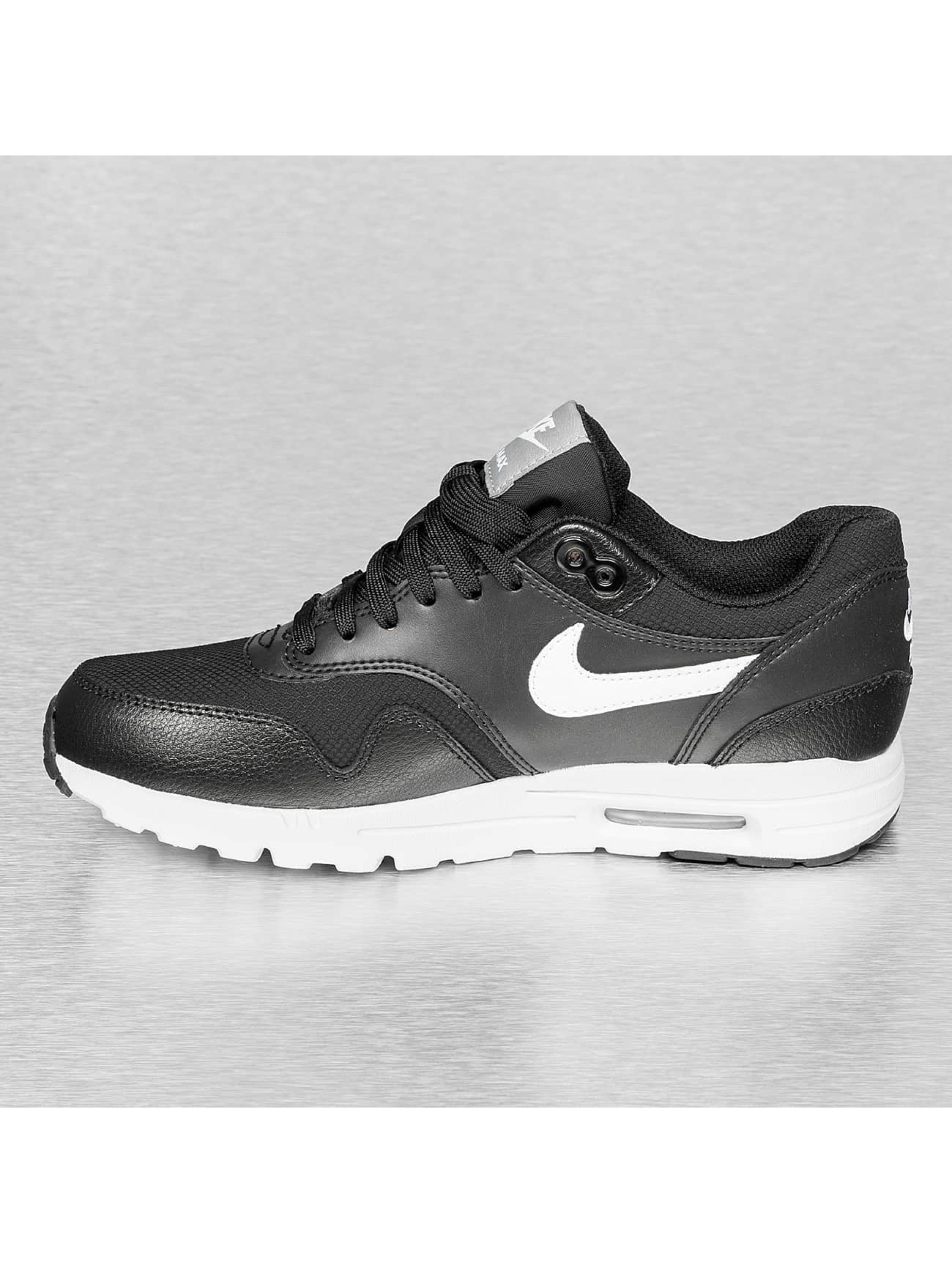 nike incorporé - Nike Baskets Wmns Air Max 1 Ultra Essentials Noir | Top Swiss ...