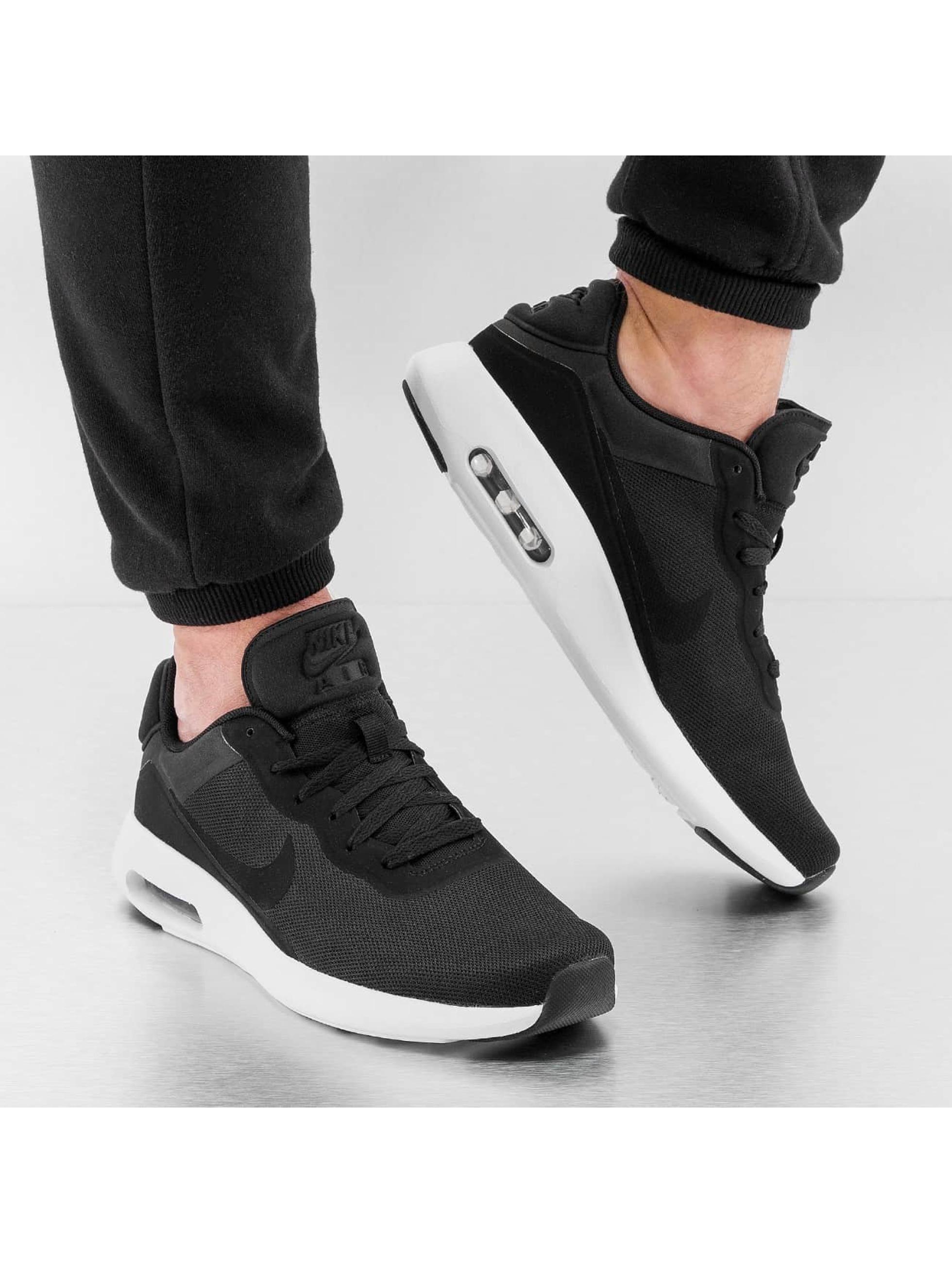 nike roshe run print speckle - Nike Chaussures / Baskets Air Max Modern Essential en noir 257142