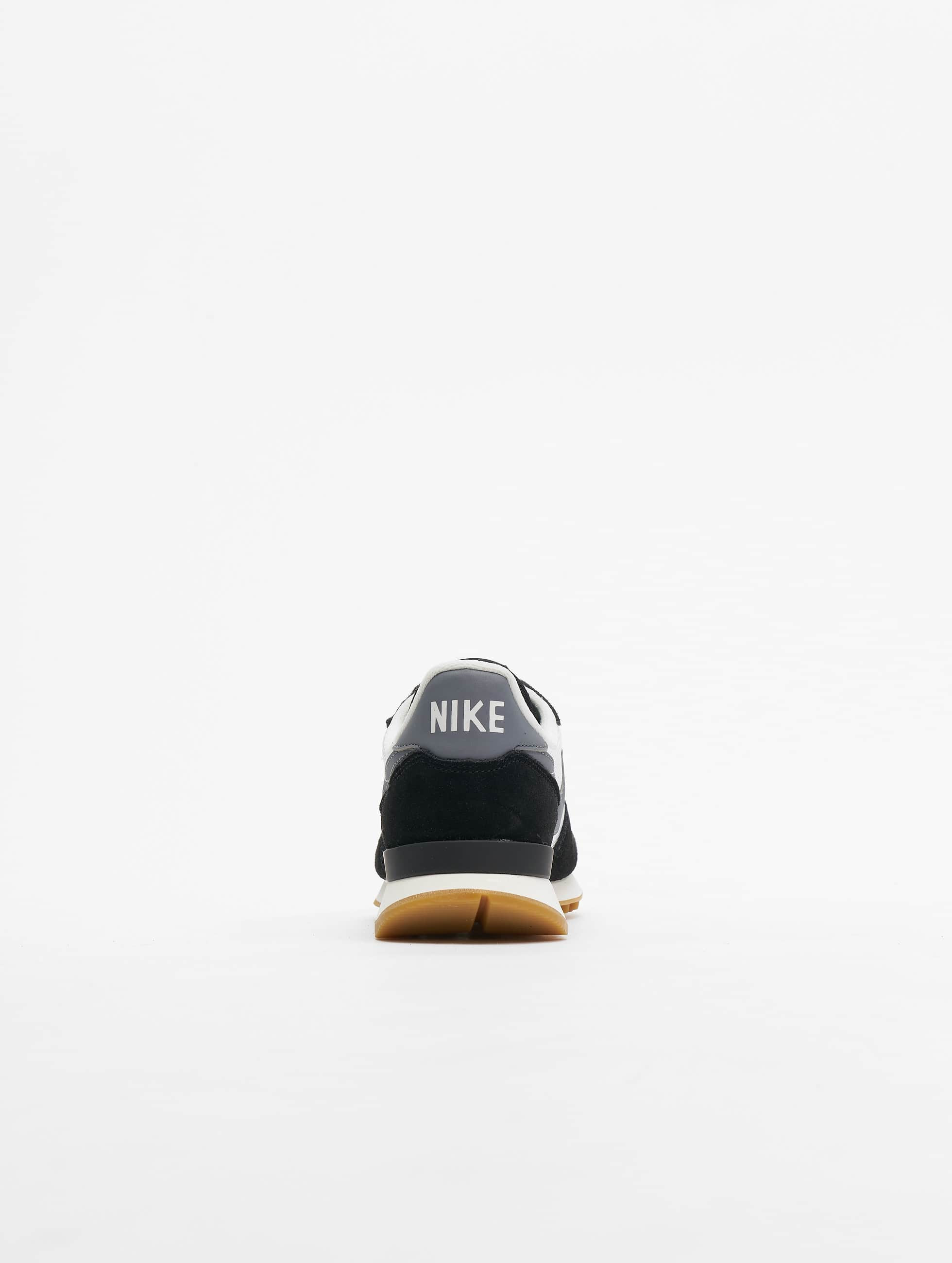 Nike Baskets Internationalist noir