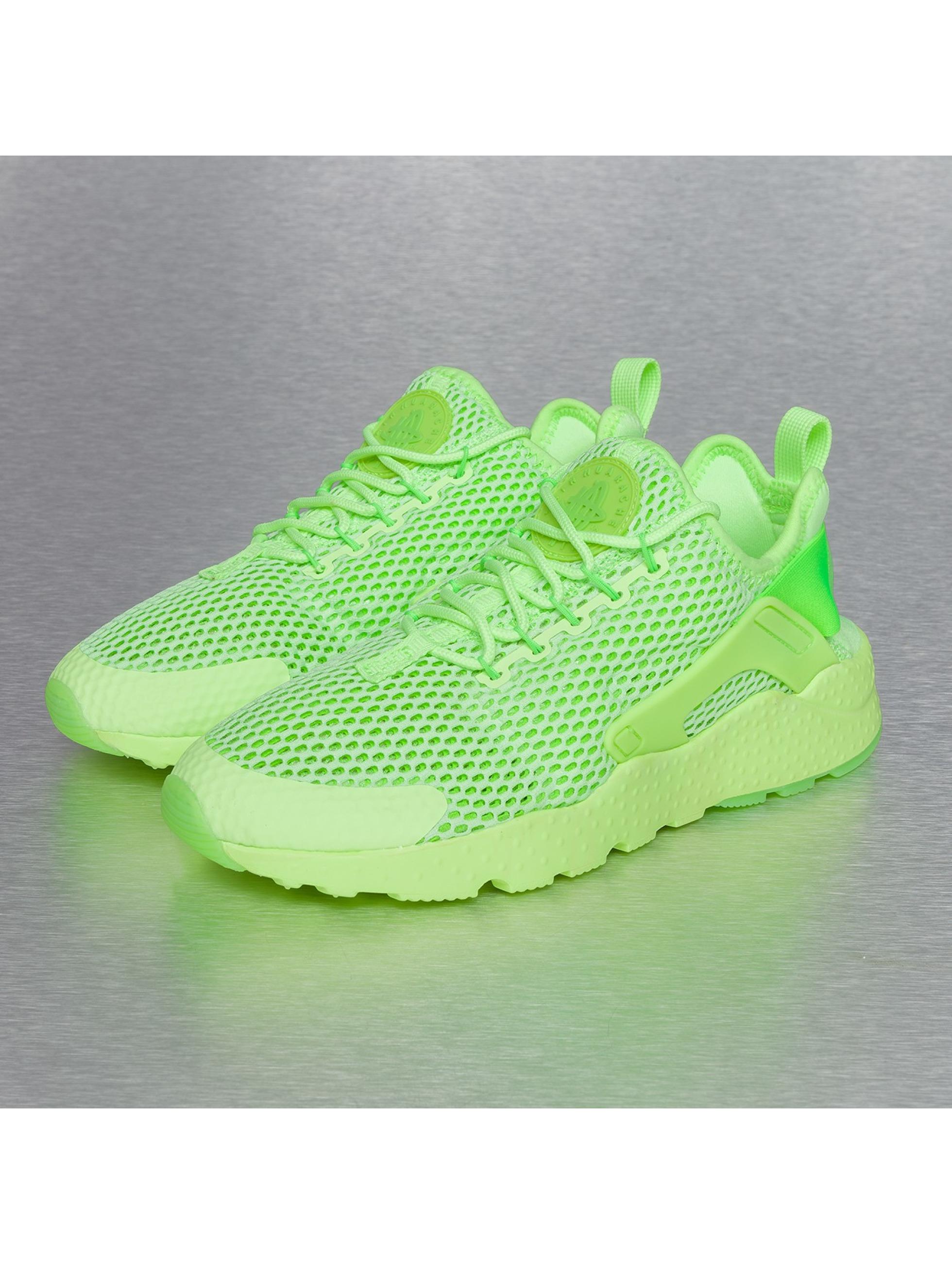Nike Chaussures   Baskets Air Huarache Run Ultra BR en vert ... 9614f72e661d