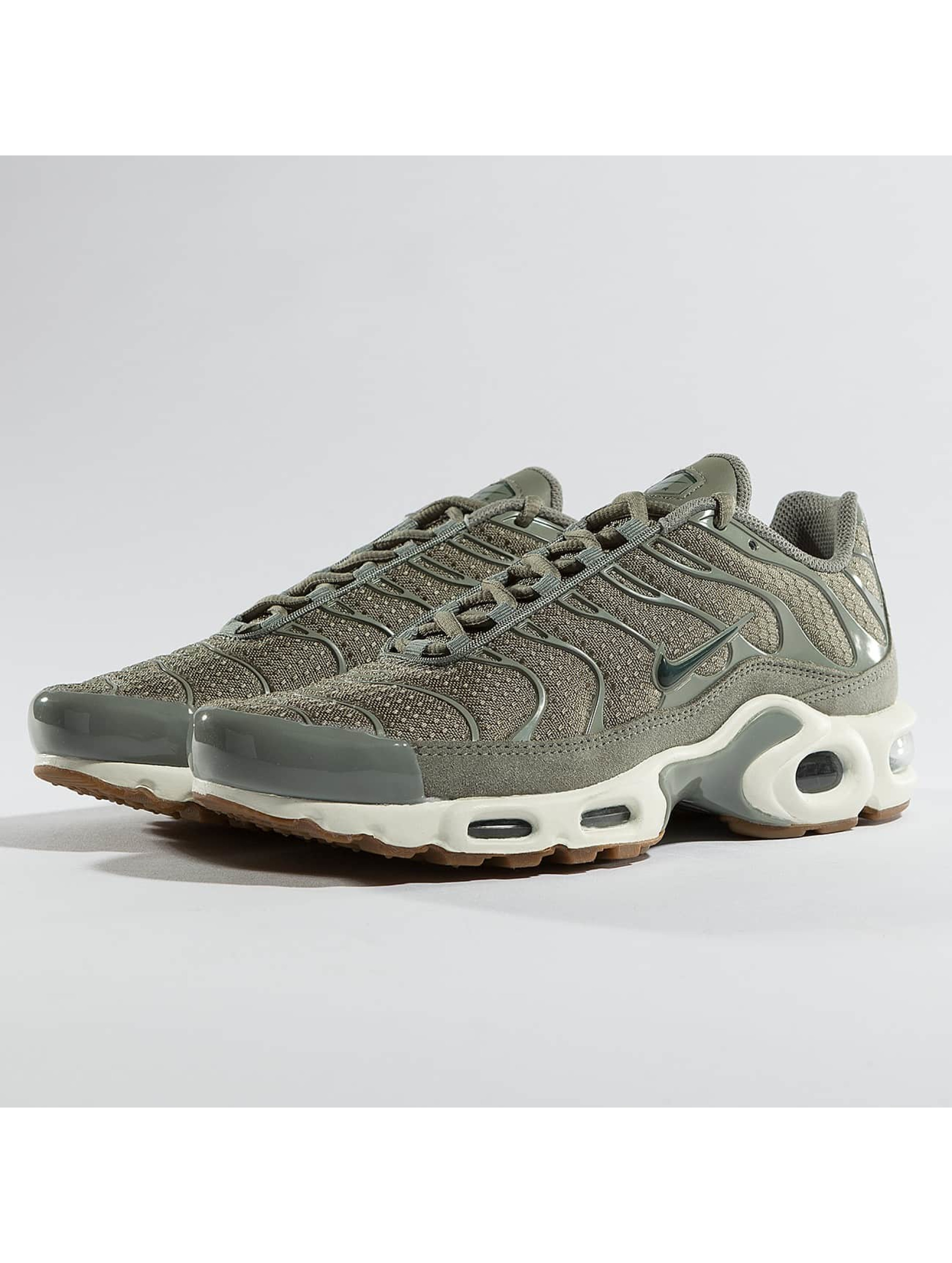 Nike Baskets Air Max Plus vert