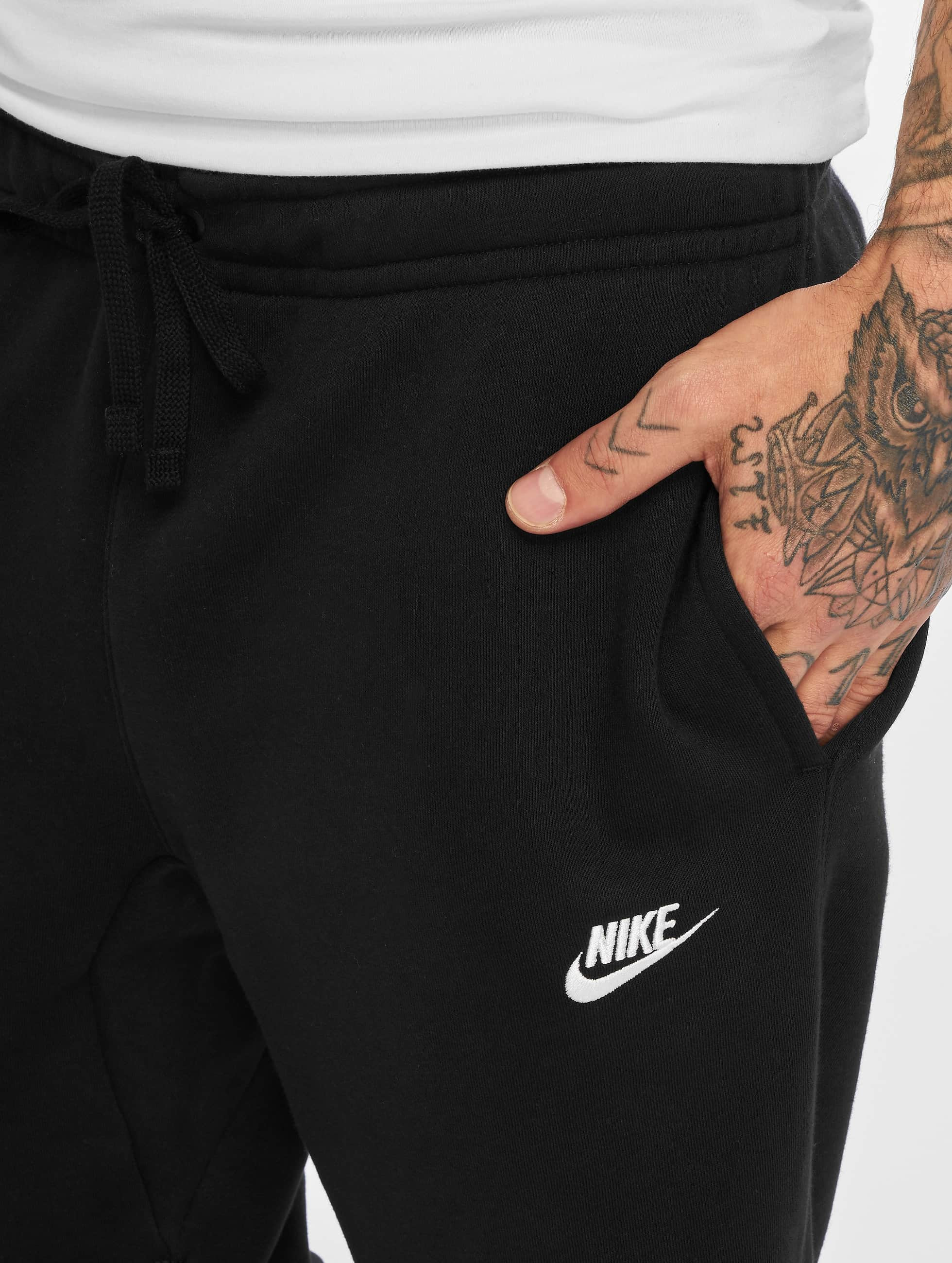 Nike Joggingbyxor NSW CF FLC Club svart